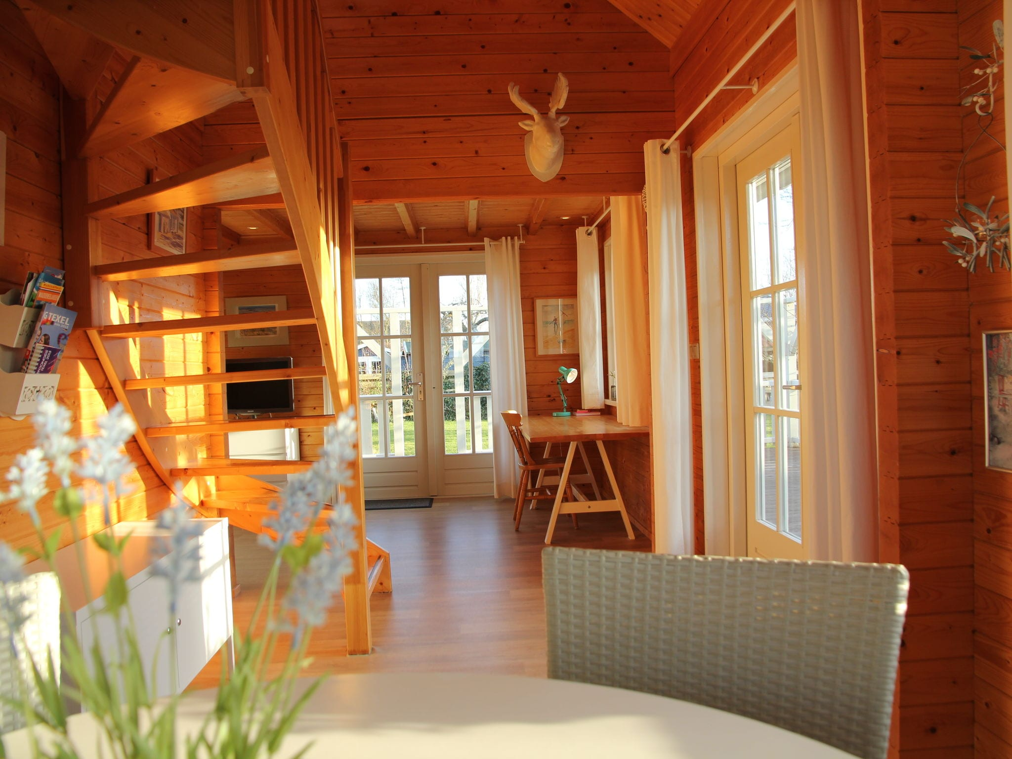 Holland | Wad Islands | Holiday home 't Blauwe Huus | all year | DiningRoom