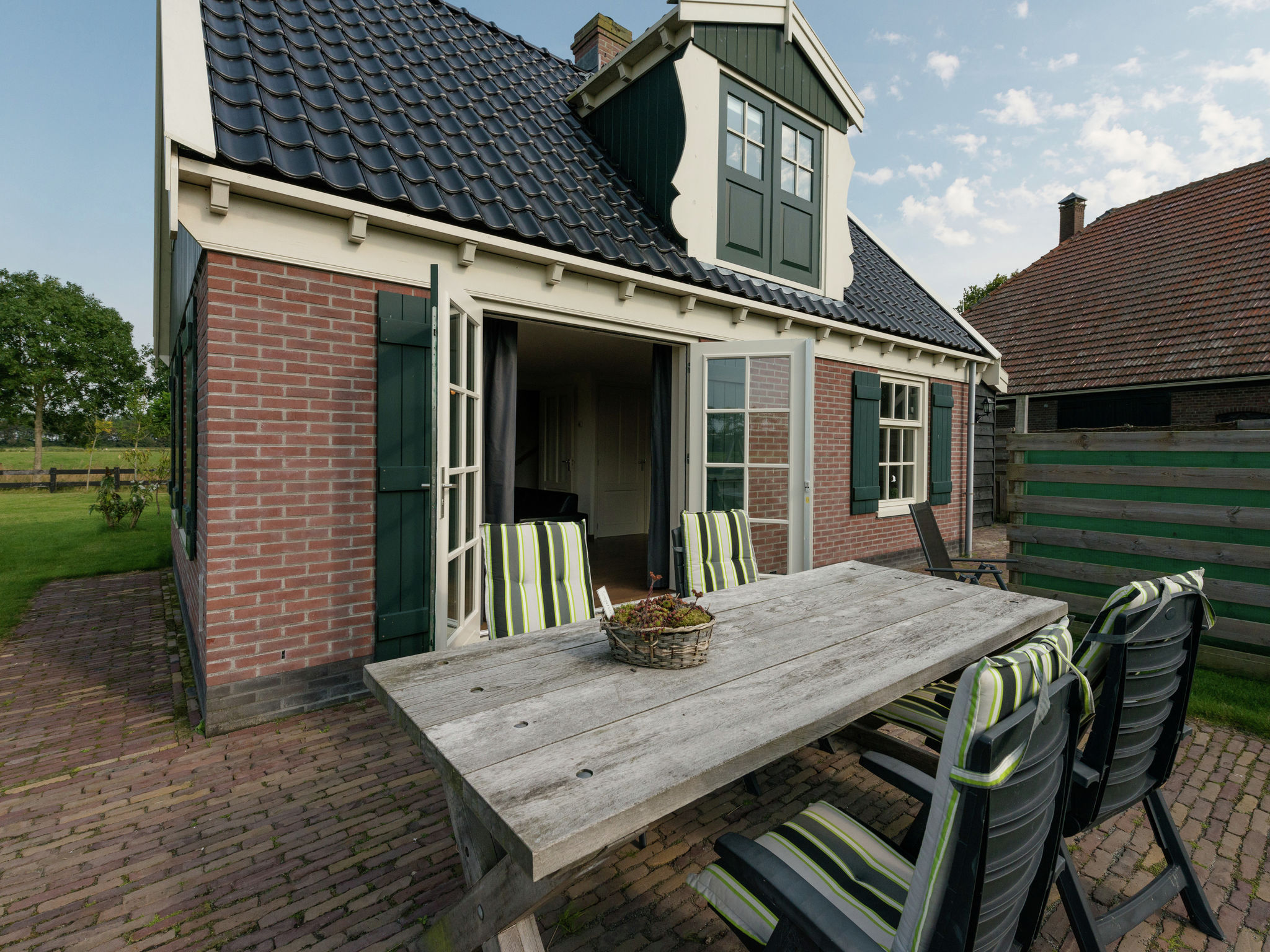 Holland | North Sea Coast North | Holiday home De Grutto 6p | all year | TerraceBalcony