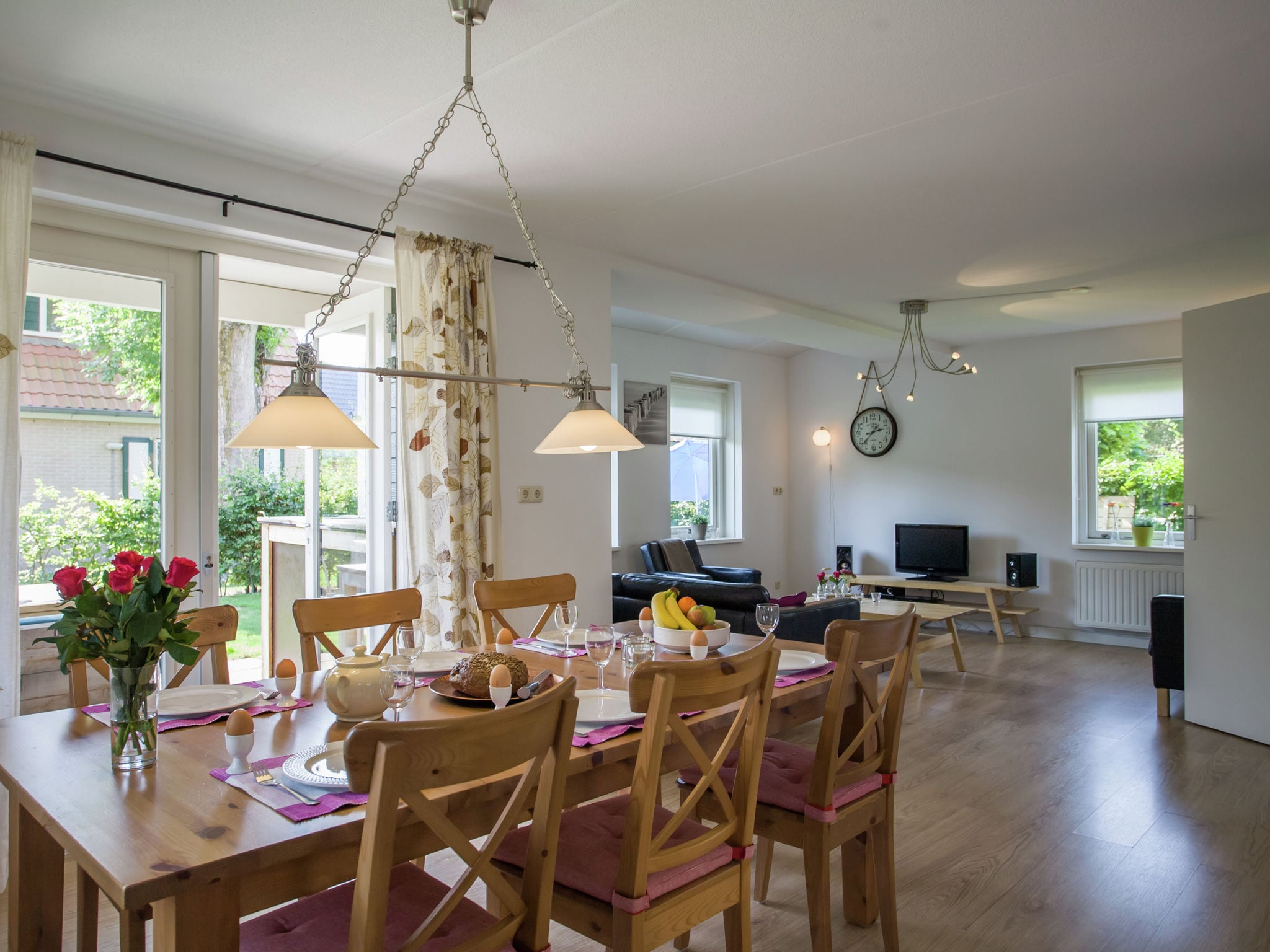 Holland | Zeeland | Holiday home Lil Hus | all year | DiningRoom