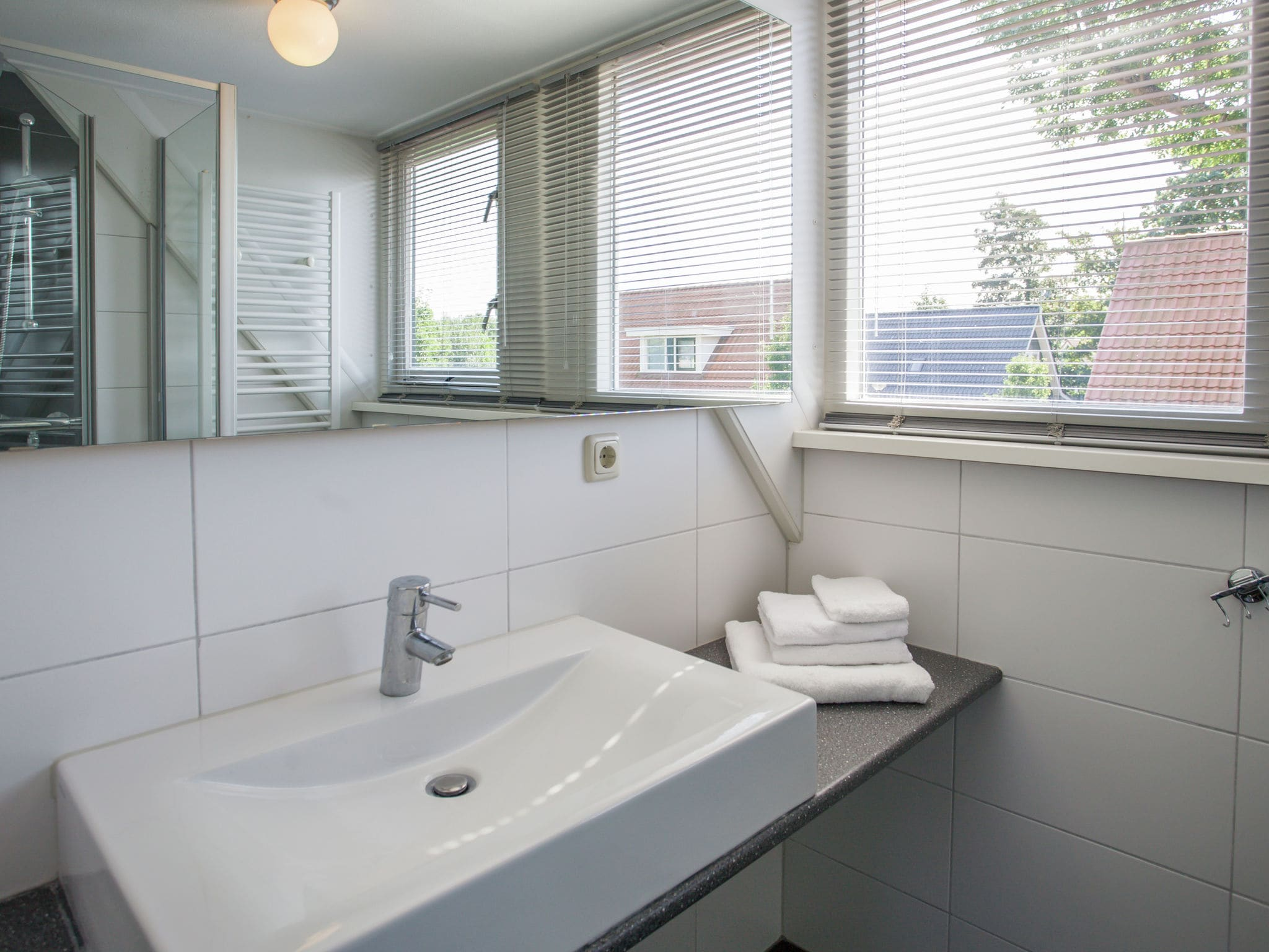 Holland | Zeeland | Holiday home Lil Hus | all year | BathRoom