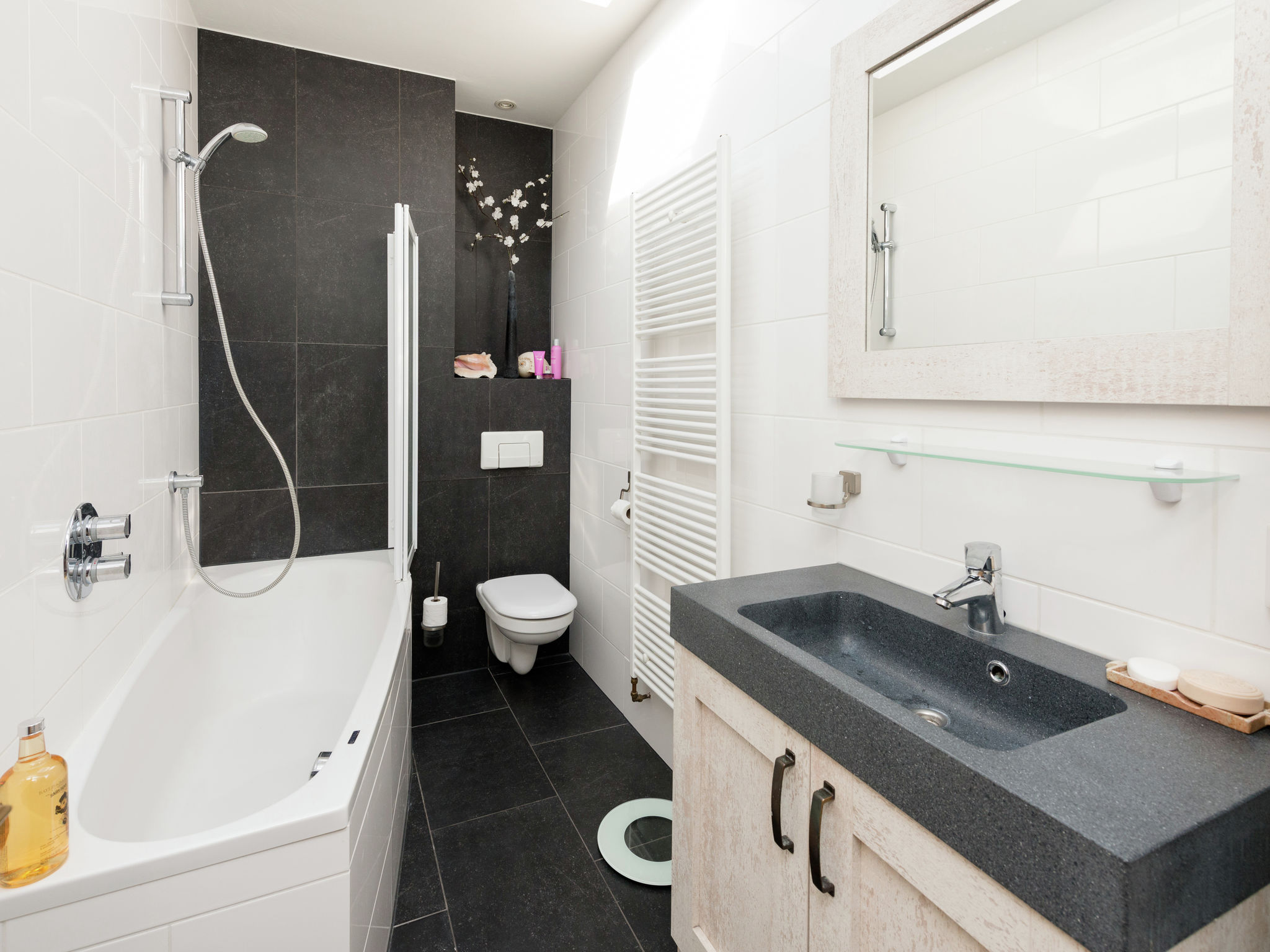 Holland | North Sea Coast North | Holiday home Het Halve Maantje | Holidays | BathRoom