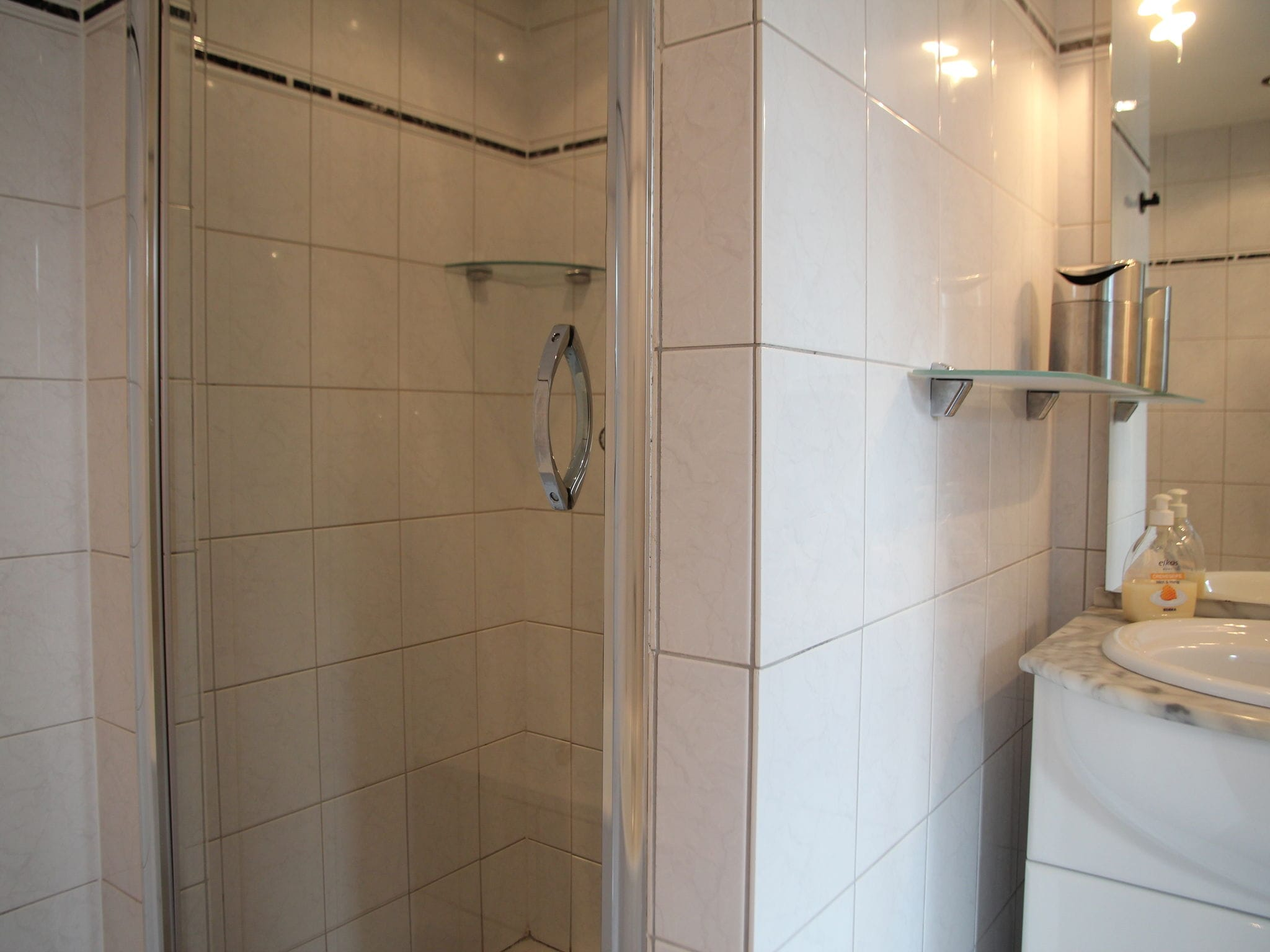 Holland | North Sea Coast North | Holiday home Bergen Centre | all year | BathRoom