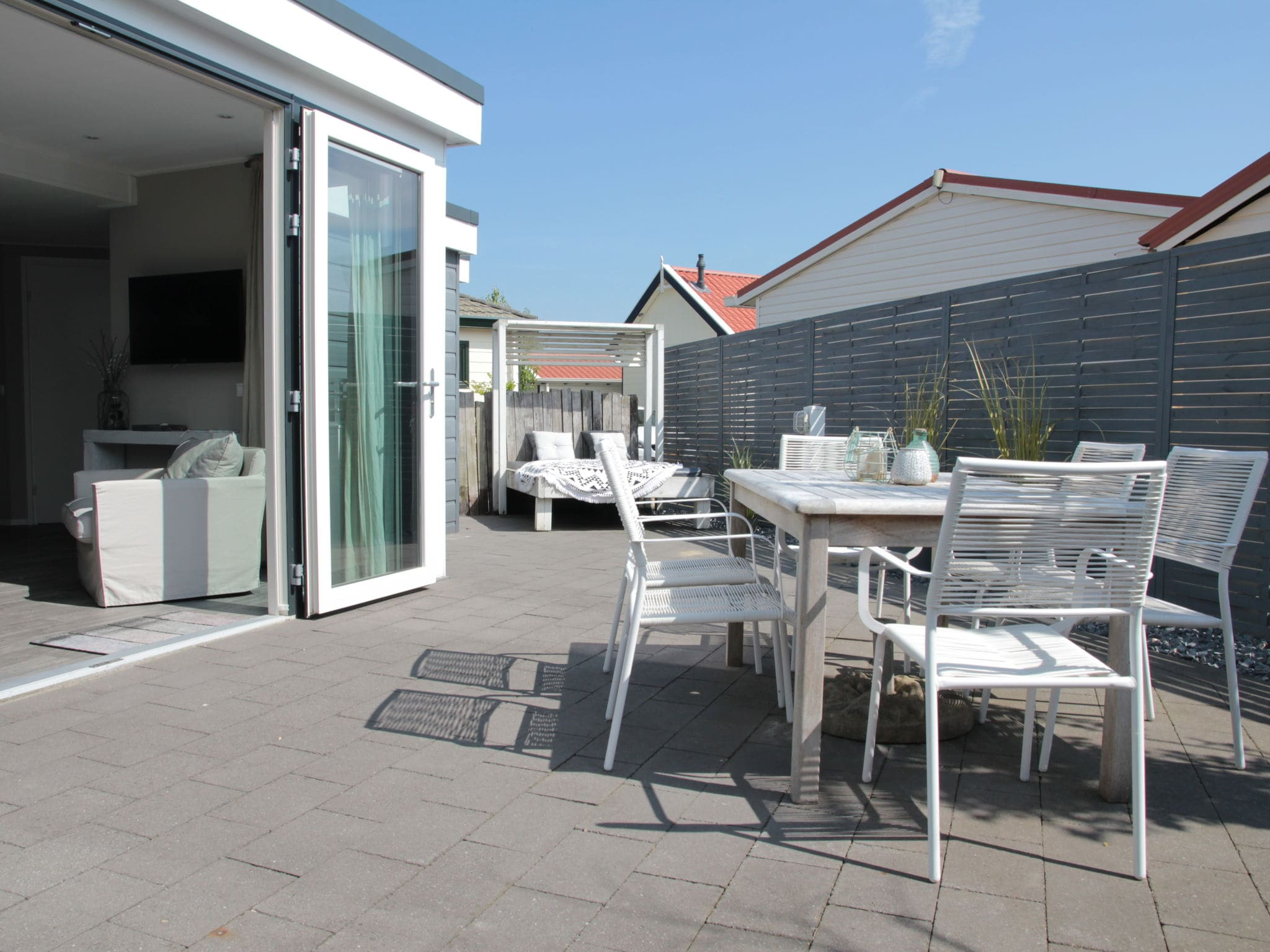 Holland | Zeeland | Holiday home Beachstyle @ the Sea | all year | GardenSummer