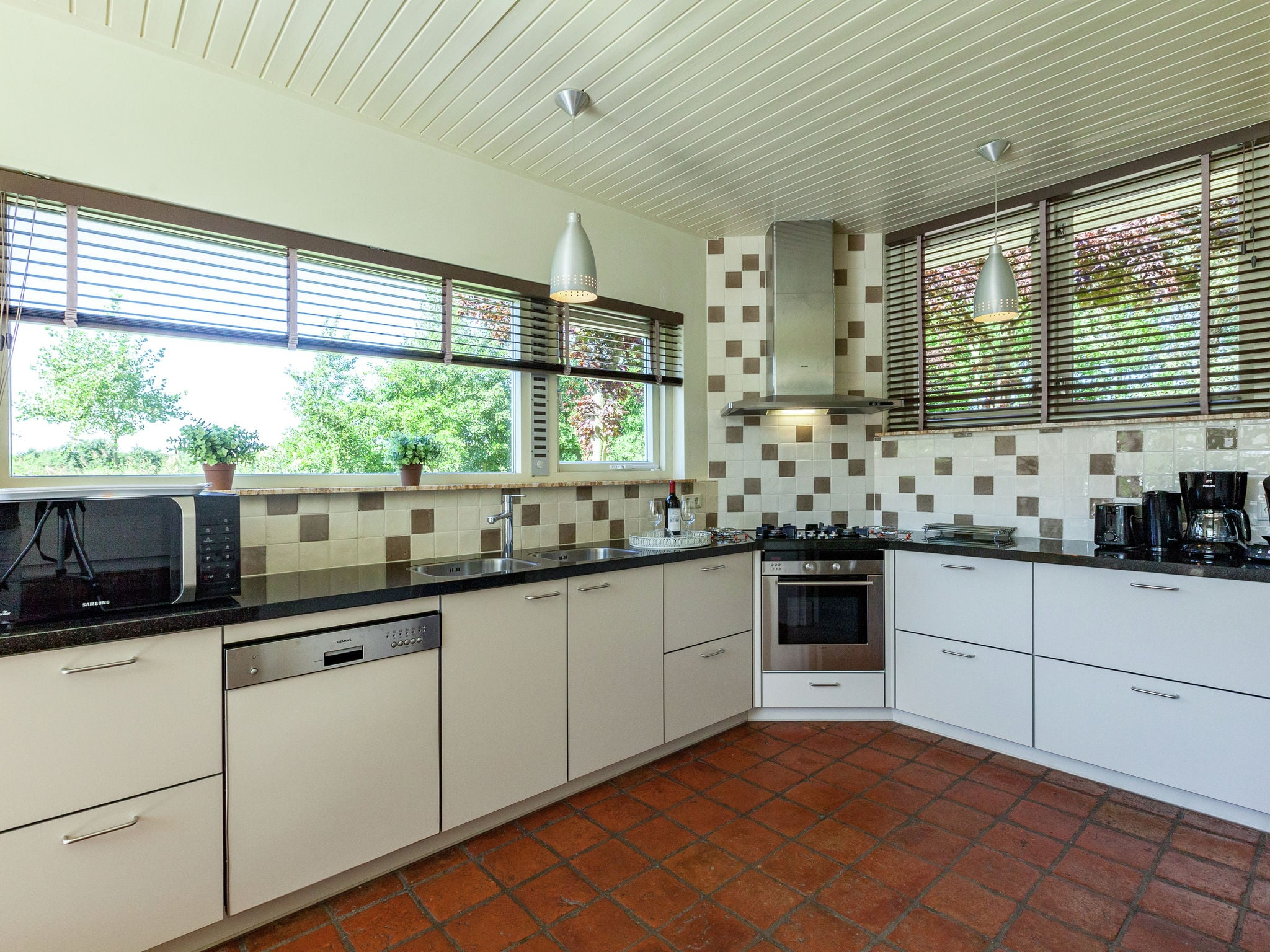 Holland | Zeeland | Holiday home Villa de Zwaan I | all year | Kitchen