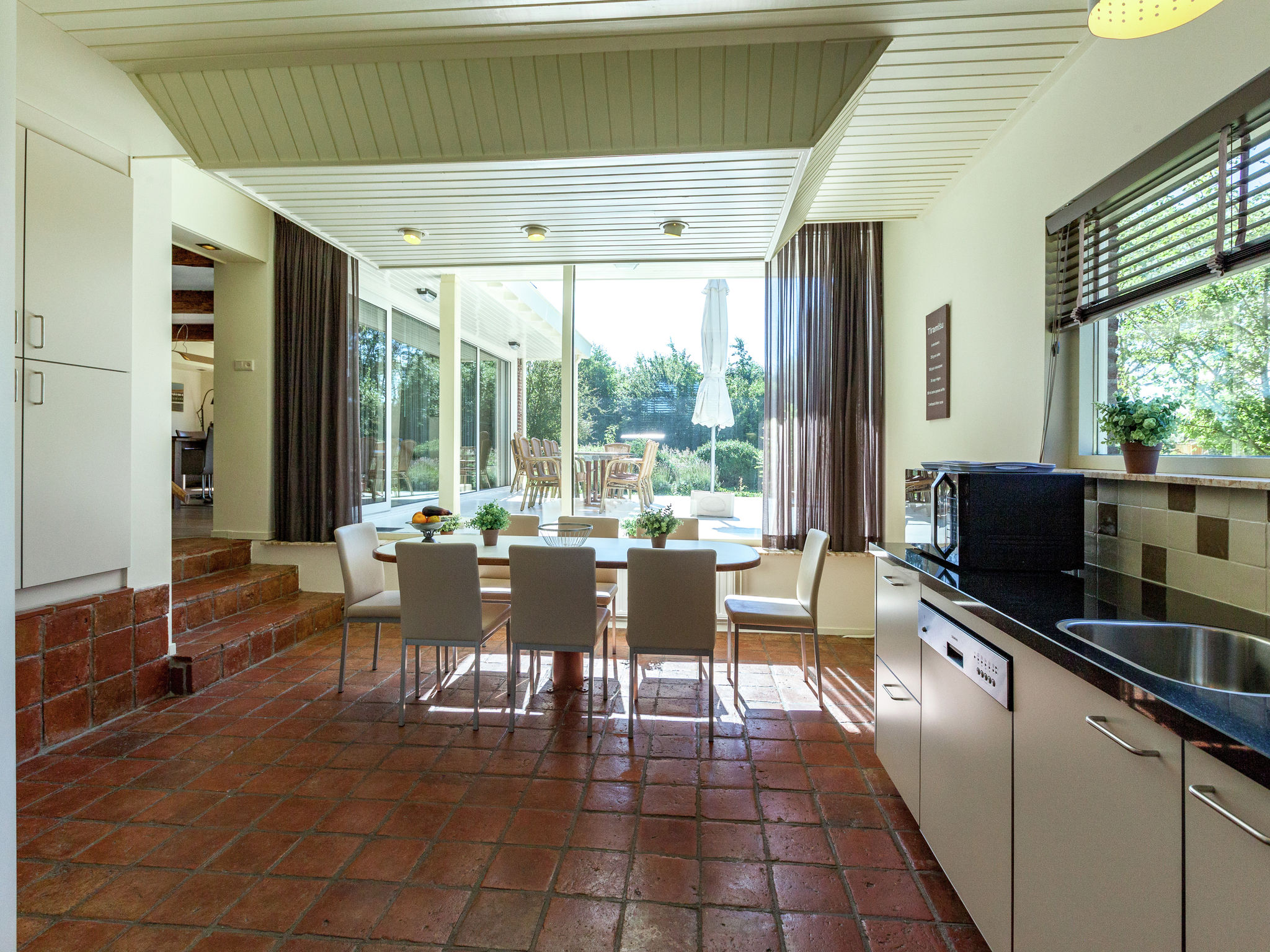 Holland | Zeeland | Holiday home Villa de Zwaan I | all year | DiningRoom