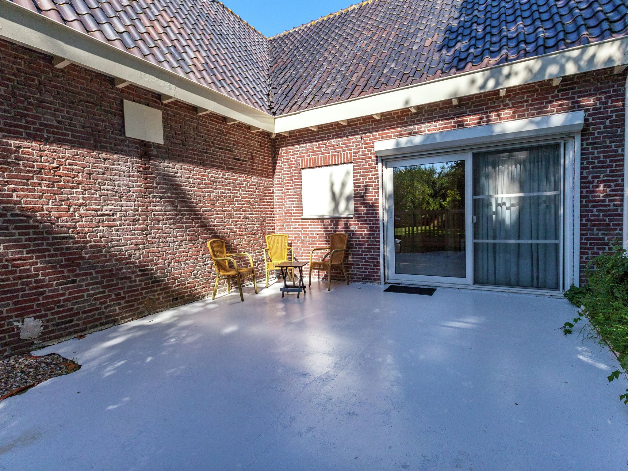 Holland | Zeeland | Holiday home Villa de Zwaan I | all year | TerraceBalcony