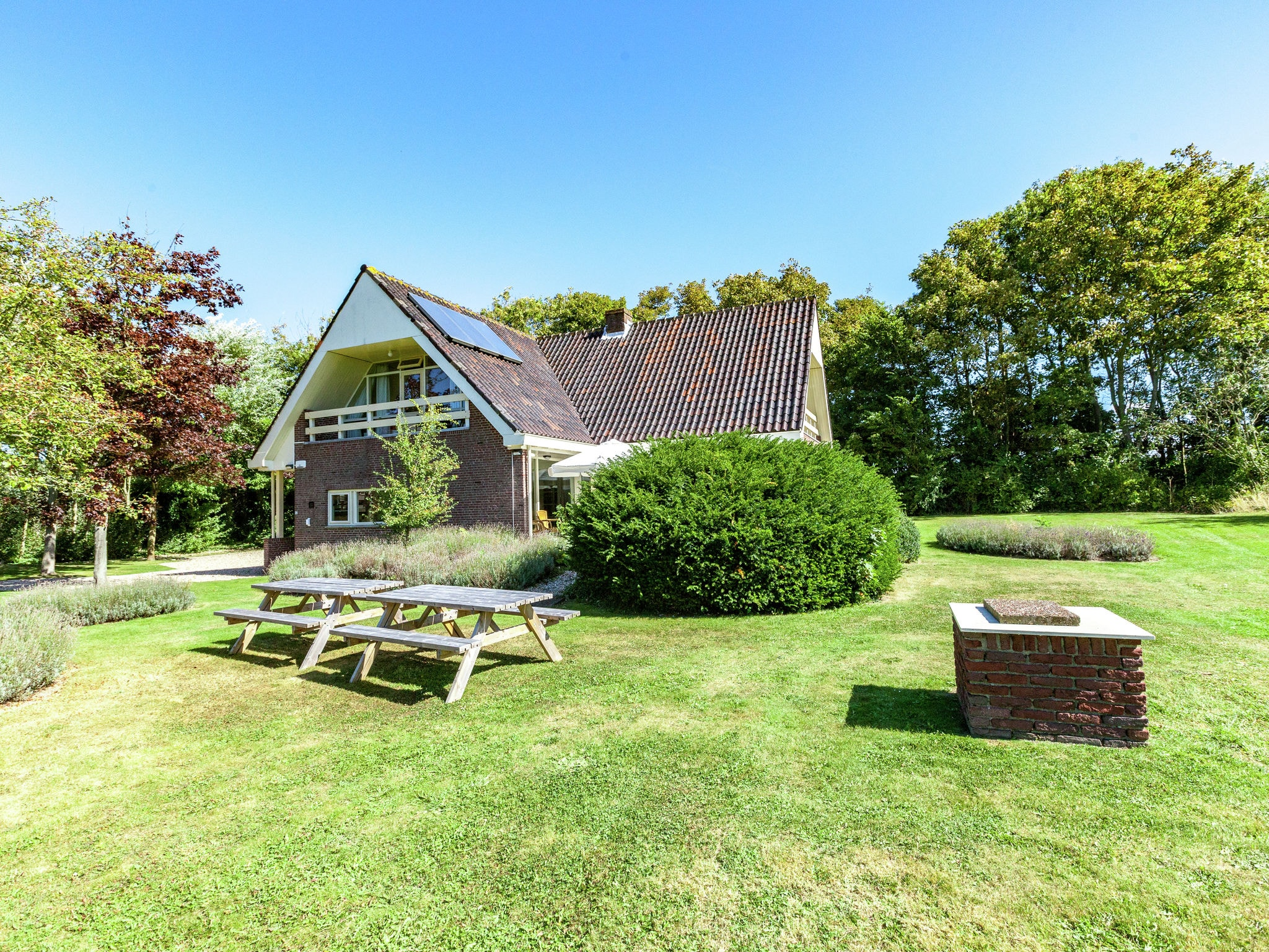 Holland | Zeeland | Holiday home Villa de Zwaan I | all year | GardenSummer