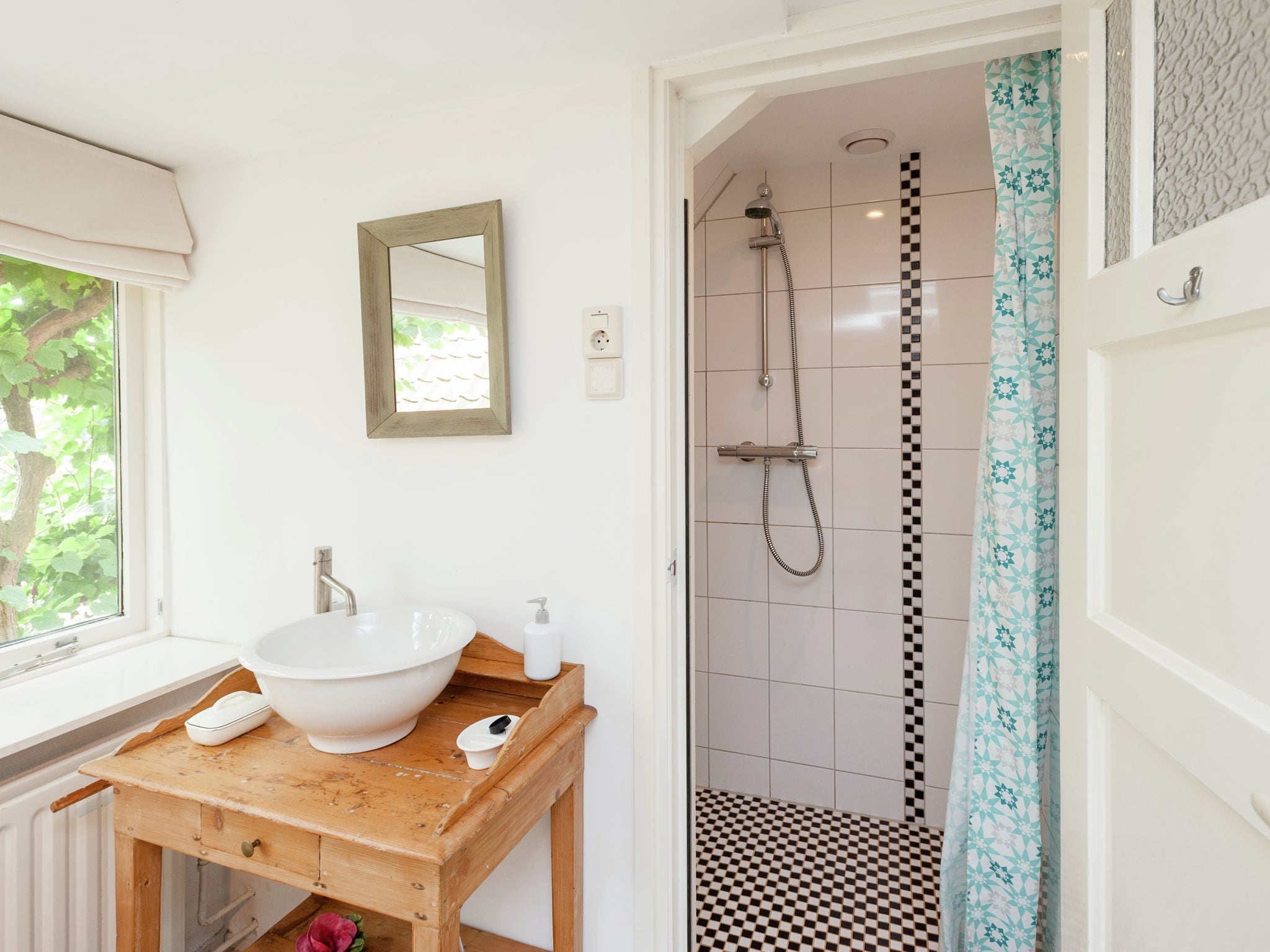 Holland | North Sea Coast North | Holiday home B&B Brocante | all year | BathRoom