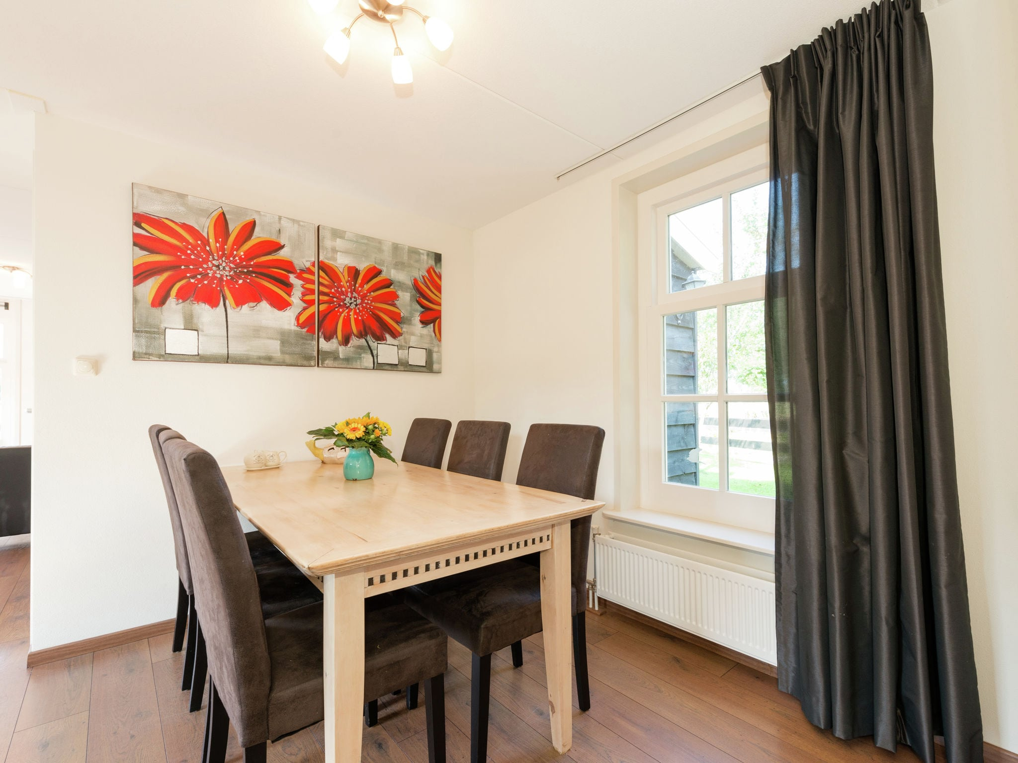 Holland | North Sea Coast North | Holiday home De Grutto 4p | all year | DiningRoom