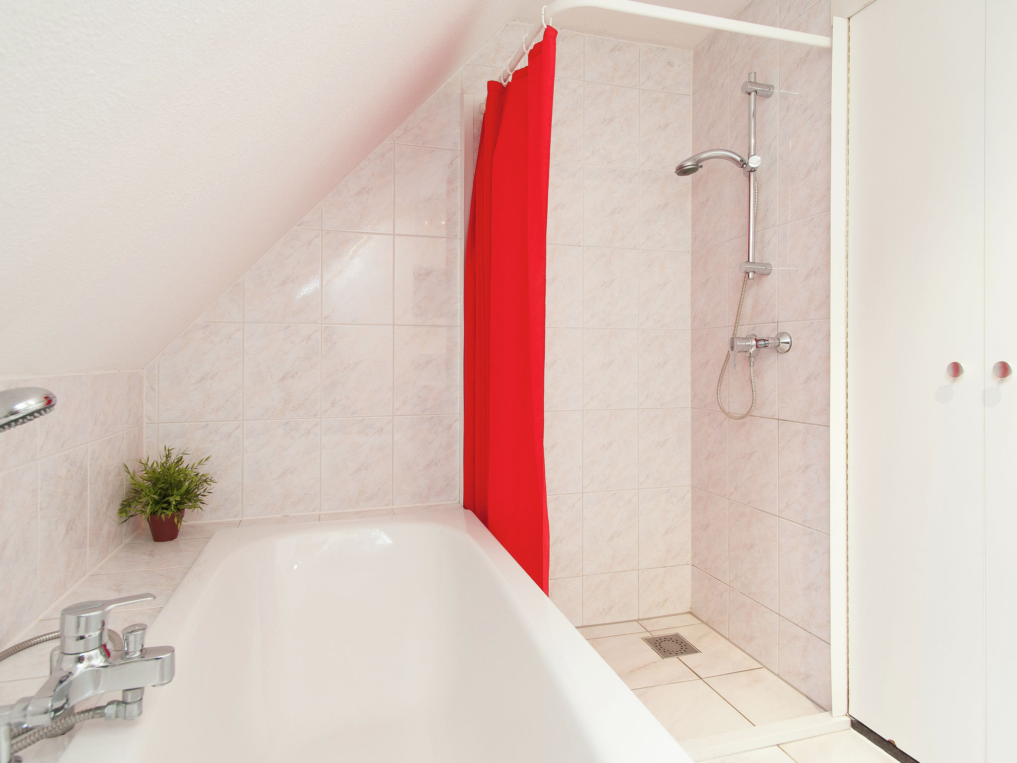 Holland | North Sea Coast North | Holiday home Zonnewijzer C | all year | BathRoom