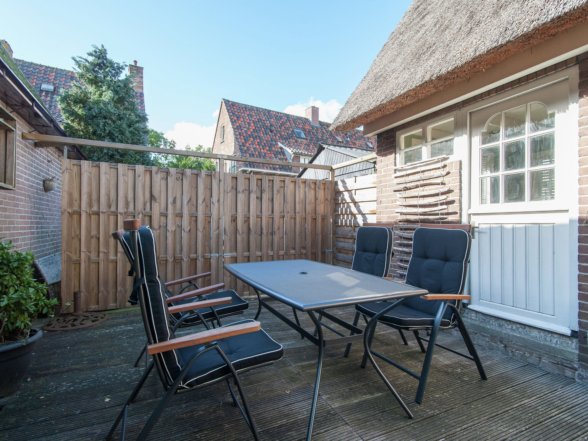 Holland | North Sea Coast North | Holiday home Cosy Bergen | all year | TerraceBalcony