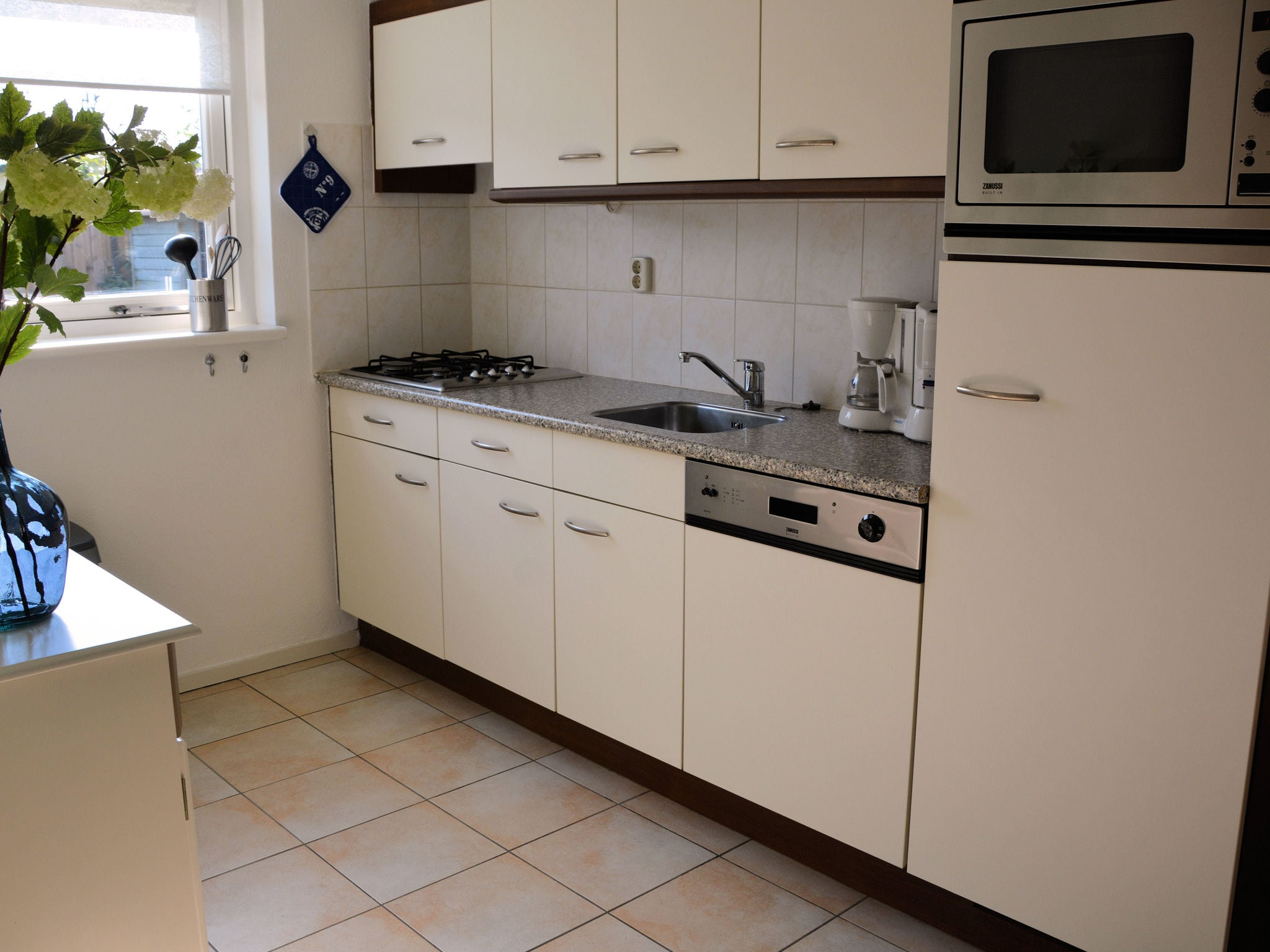 Holland | North Sea Coast South | Holiday home Jacobsschelp | all year | Kitchen