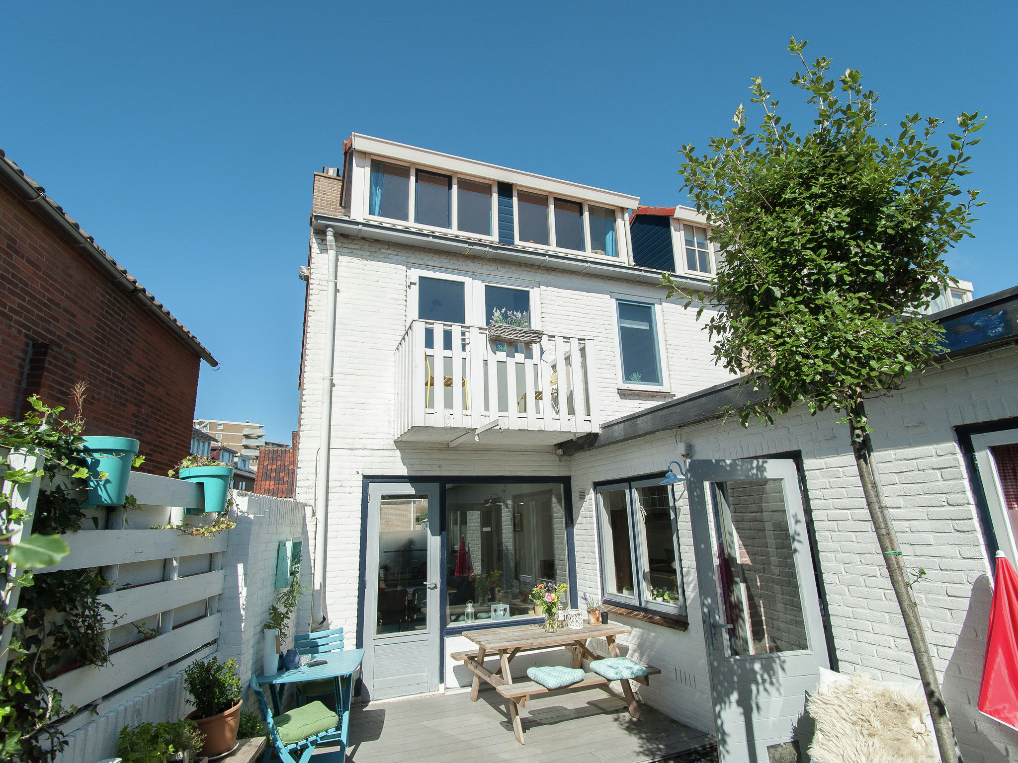 Holland | North Sea Coast North | Holiday home Zicht op de Vuurtoren | all year | ExteriorSummer