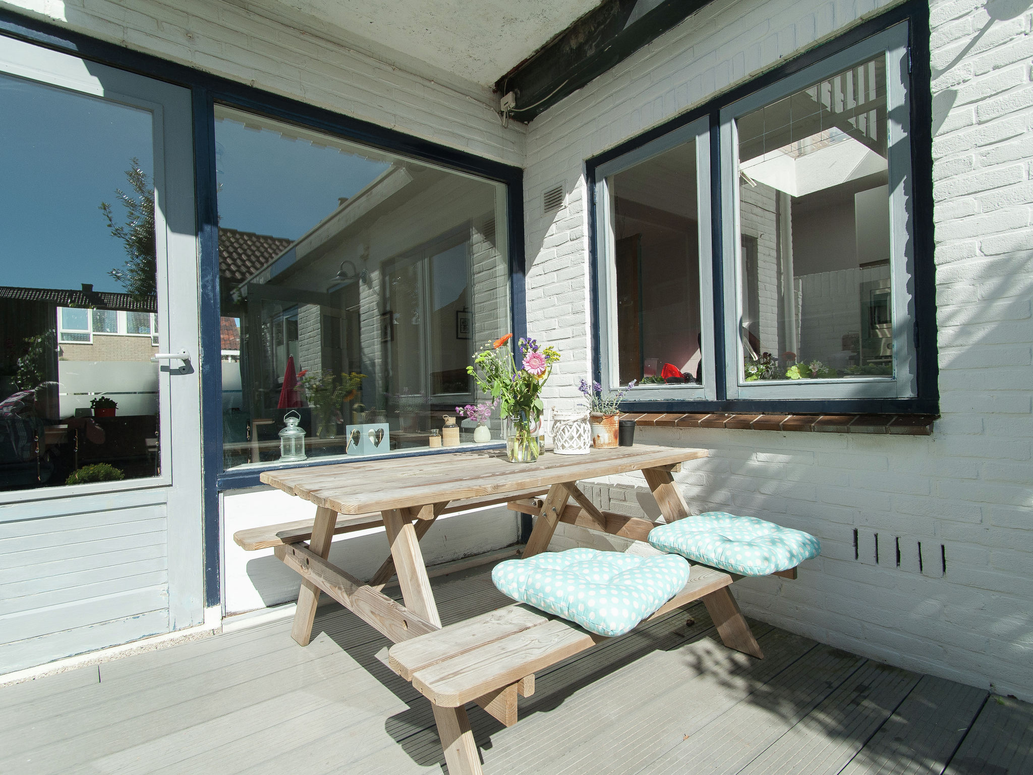 Holland | North Sea Coast North | Holiday home Zicht op de Vuurtoren | all year | TerraceBalcony
