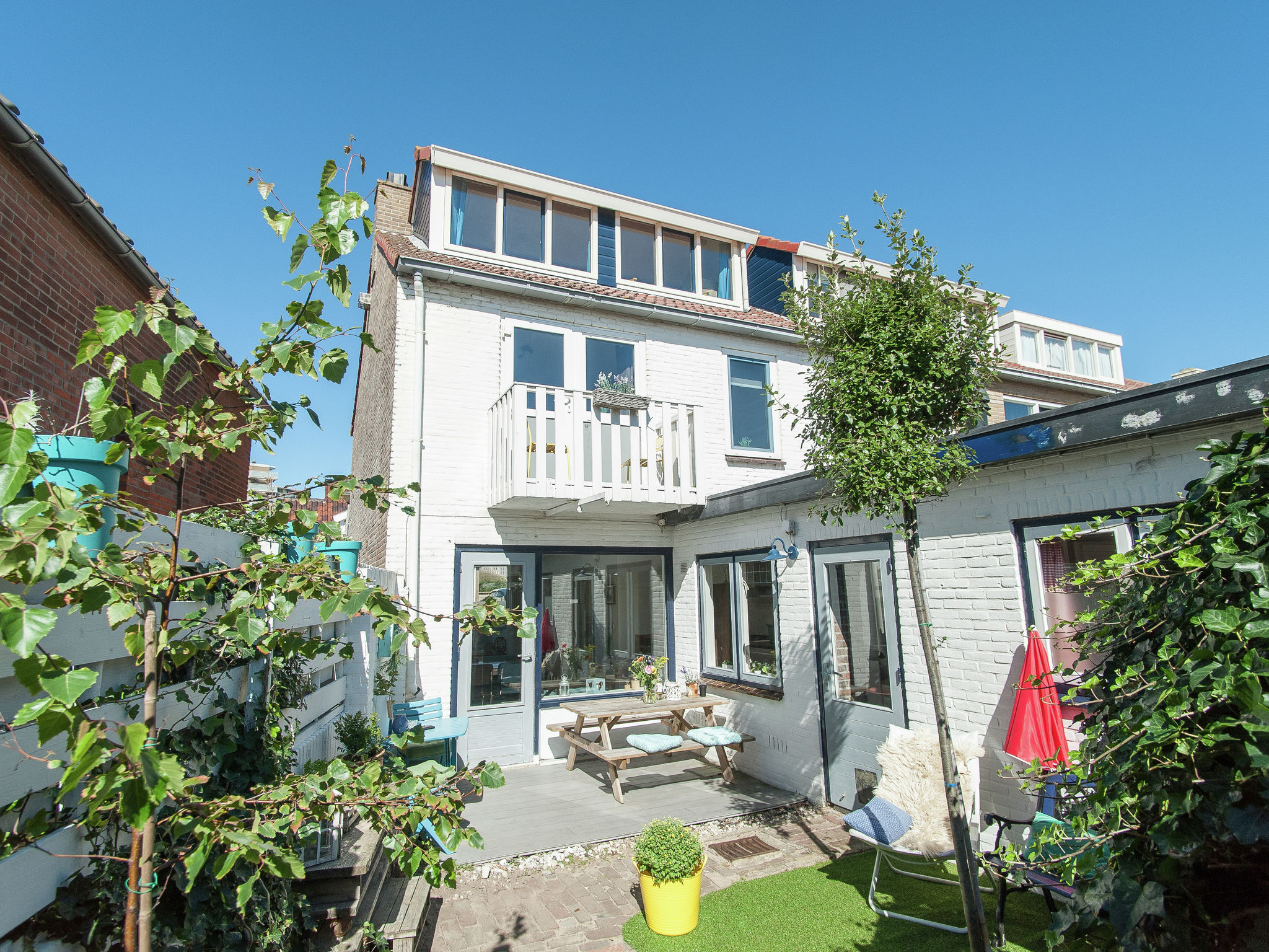 Holland | North Sea Coast North | Holiday home Zicht op de Vuurtoren | all year | GardenSummer