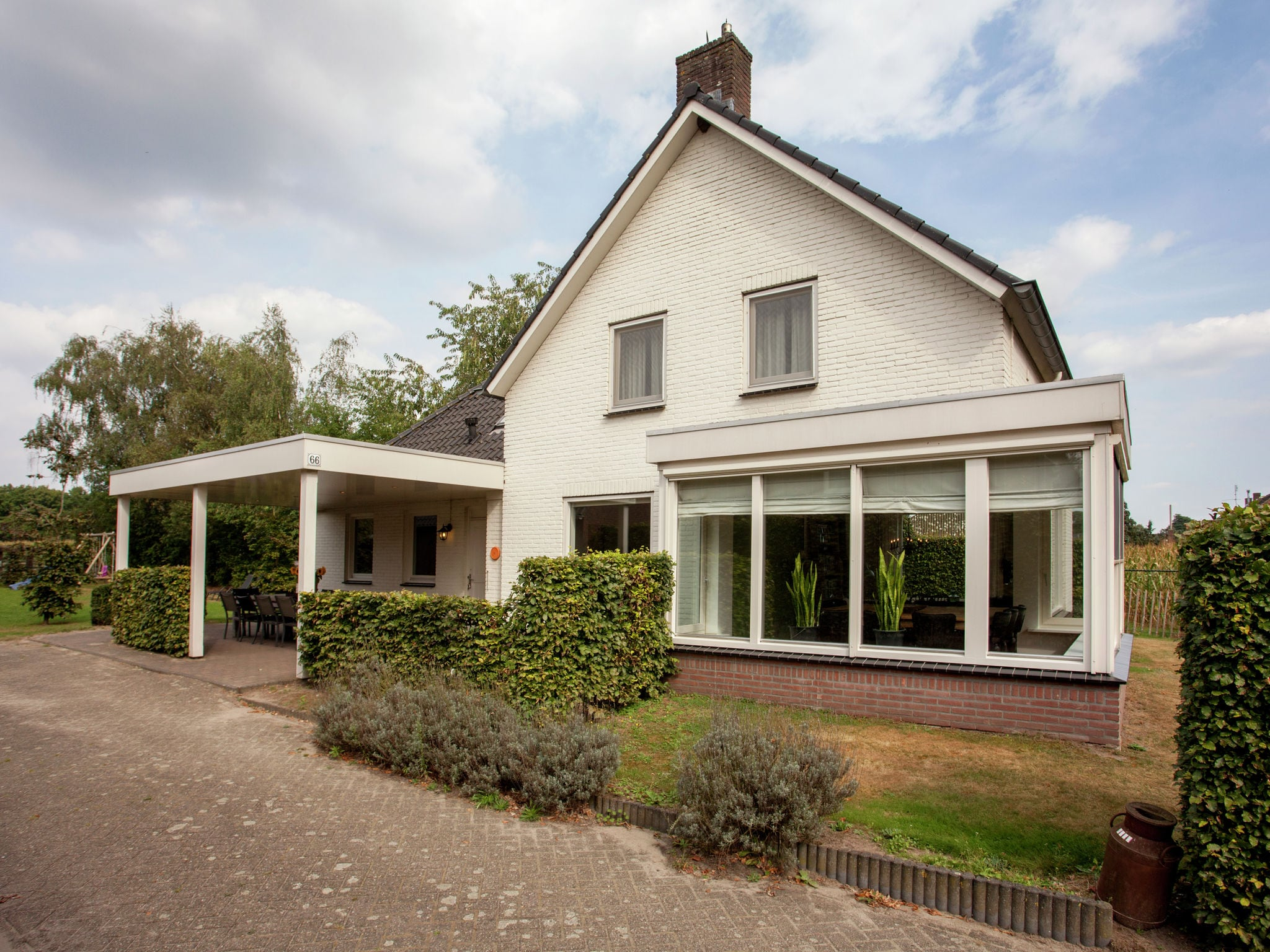 Holland | Noord-Brabant | Holiday home 't Witte Huis | all year | ExteriorSummer