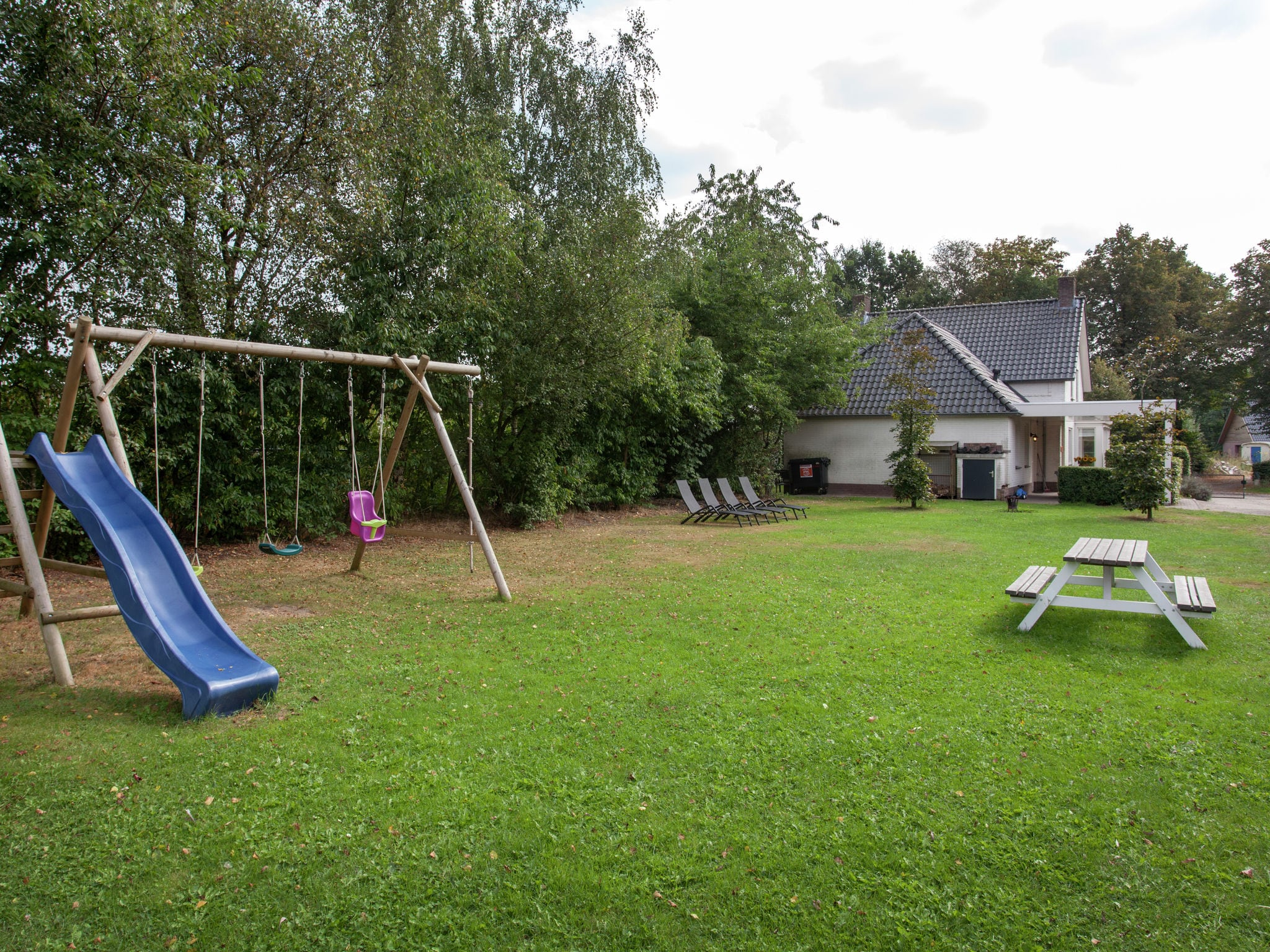 Holland | Noord-Brabant | Holiday home 't Witte Huis | all year | GardenSummer