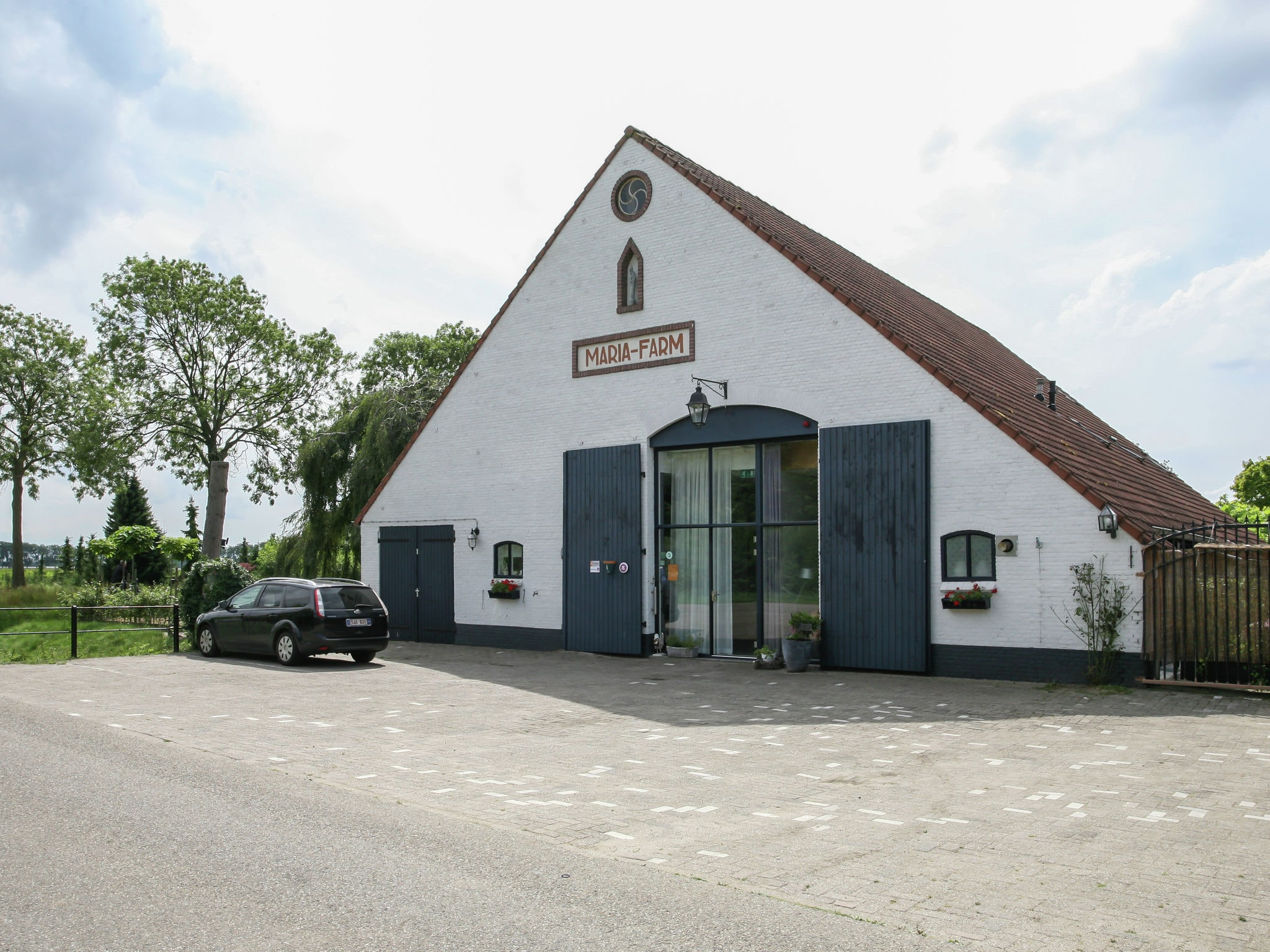 Holland | Noord-Brabant | Holiday home The White Farm | all year | ExteriorSummer