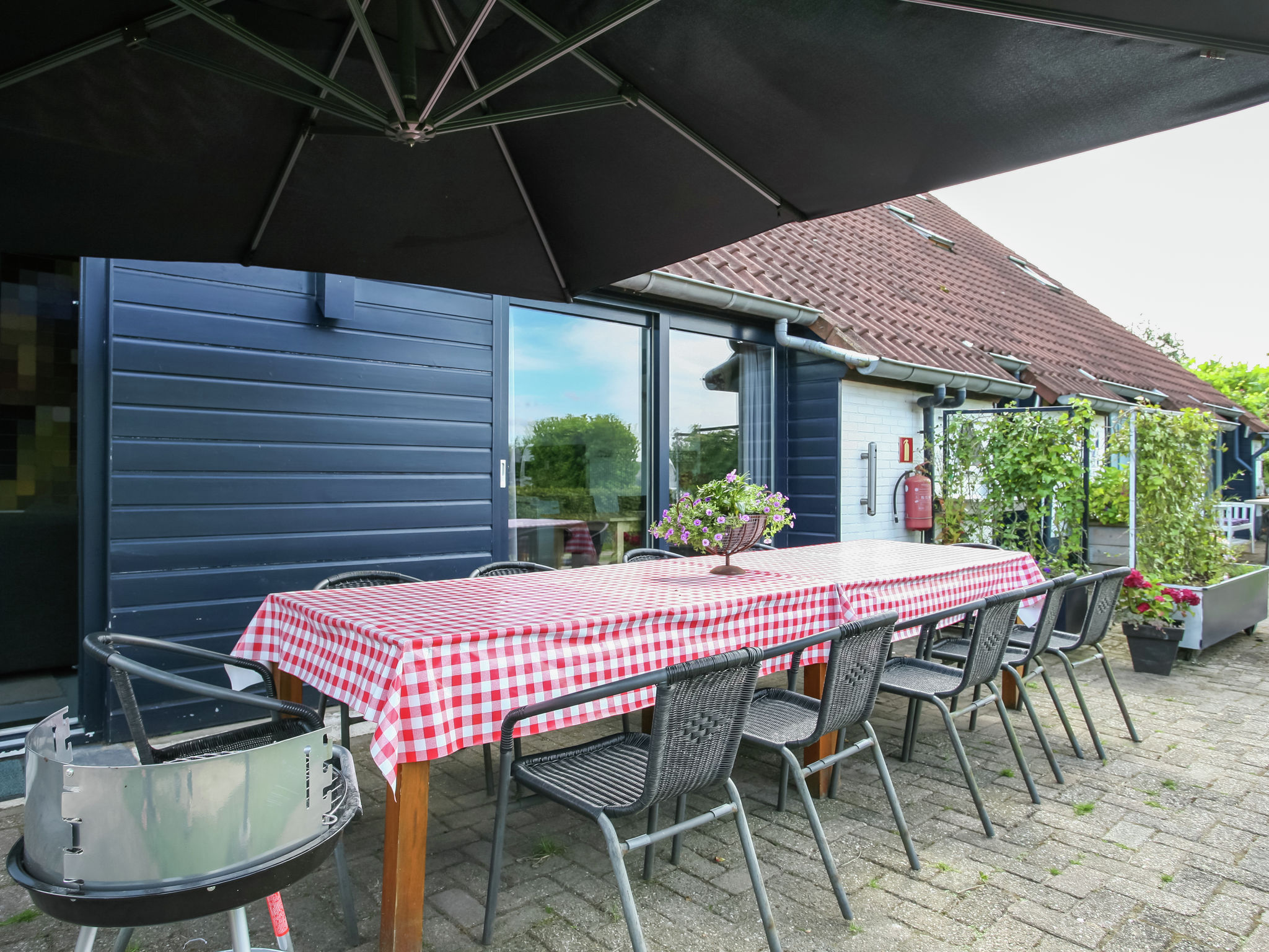 Holland | Noord-Brabant | Holiday home The White Farm | all year | TerraceBalcony