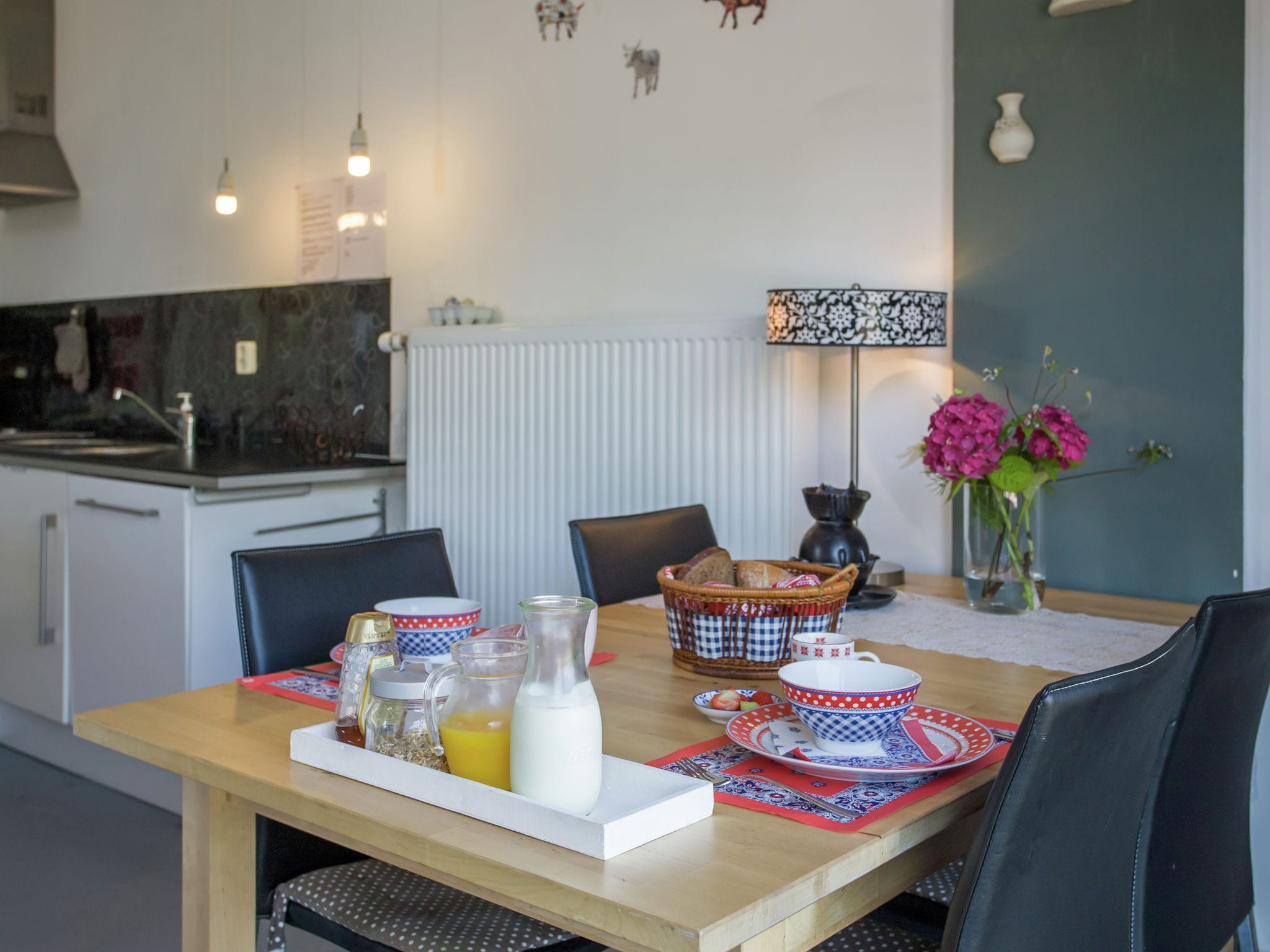 Holland | Noord-Brabant | Holiday home The White Farm | all year | DiningRoom