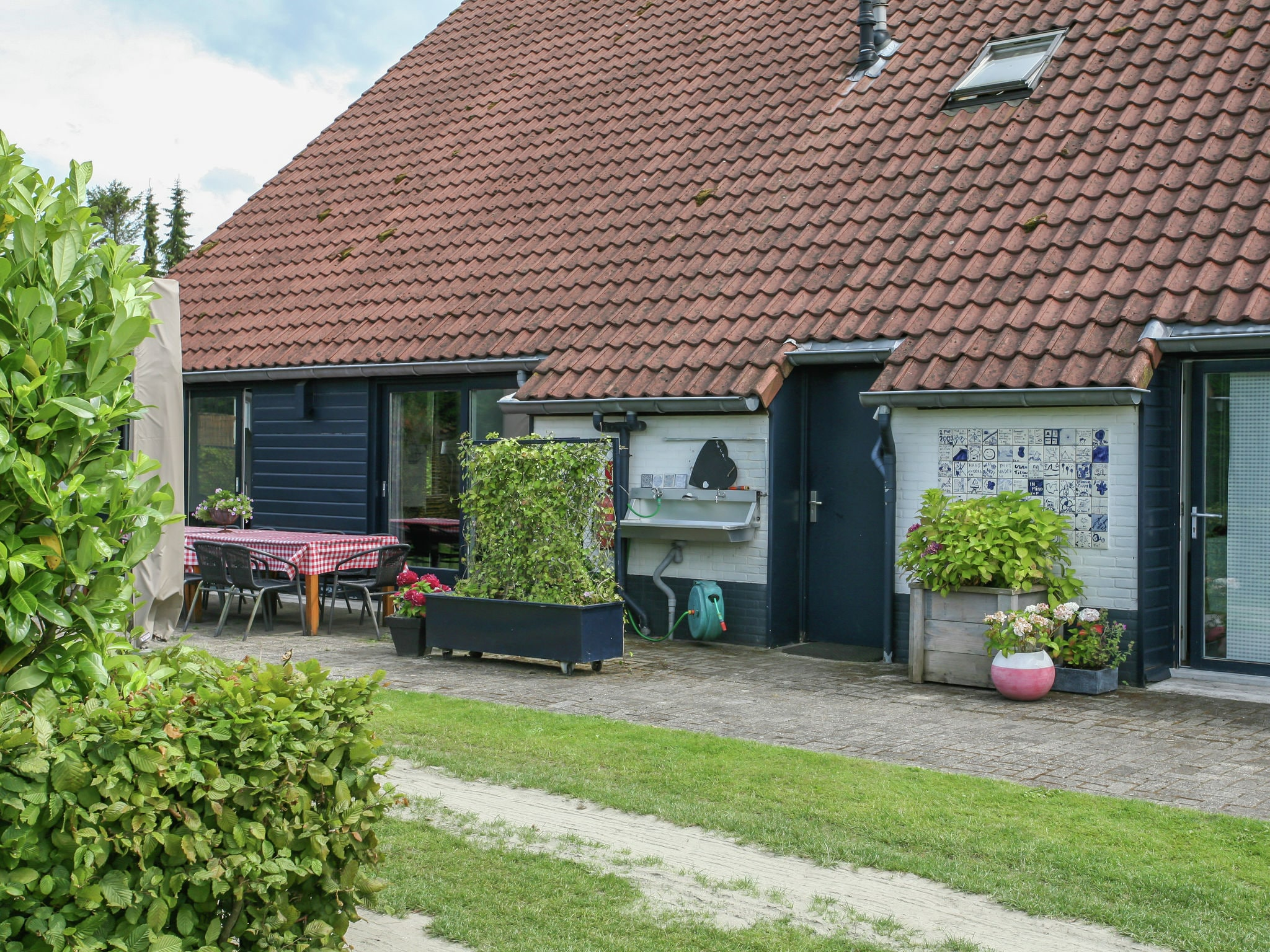 Holland | Noord-Brabant | Holiday home The White Farm | all year | GardenSummer