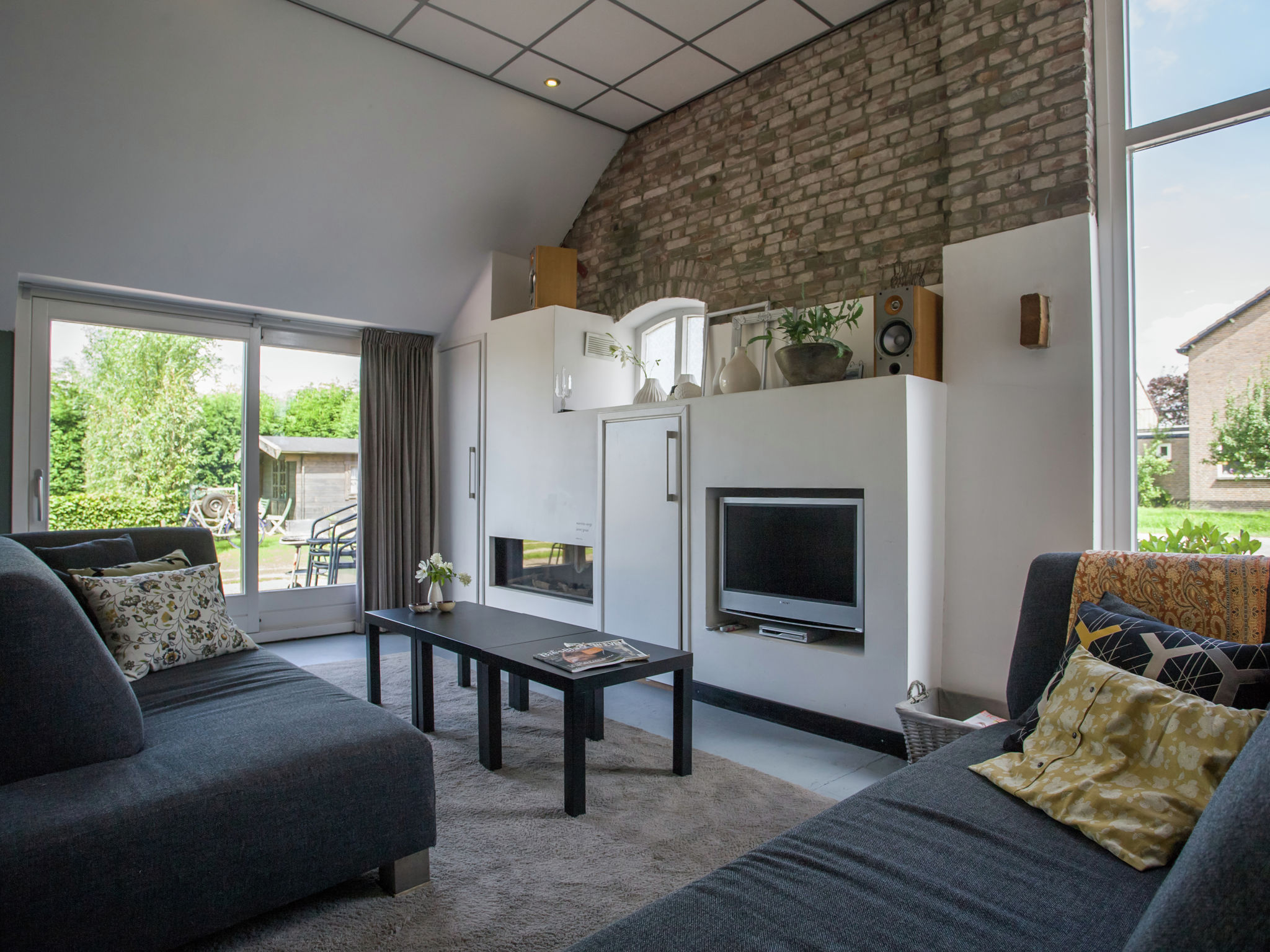 Holland | Noord-Brabant | Holiday home The White Farm | all year | LivingRoom