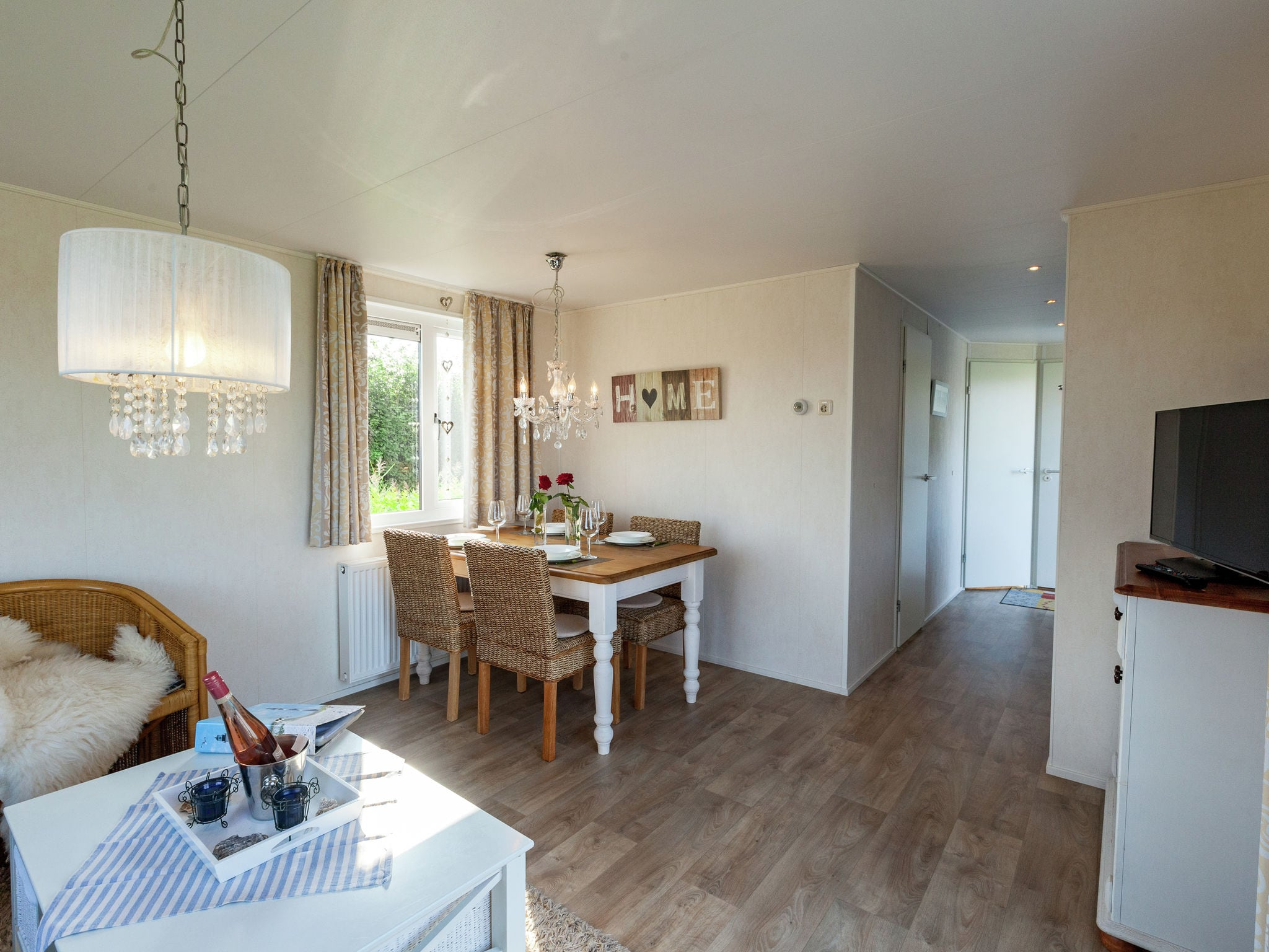 Holland | Zeeland | Holiday home Chalet Olm | all year | DiningRoom