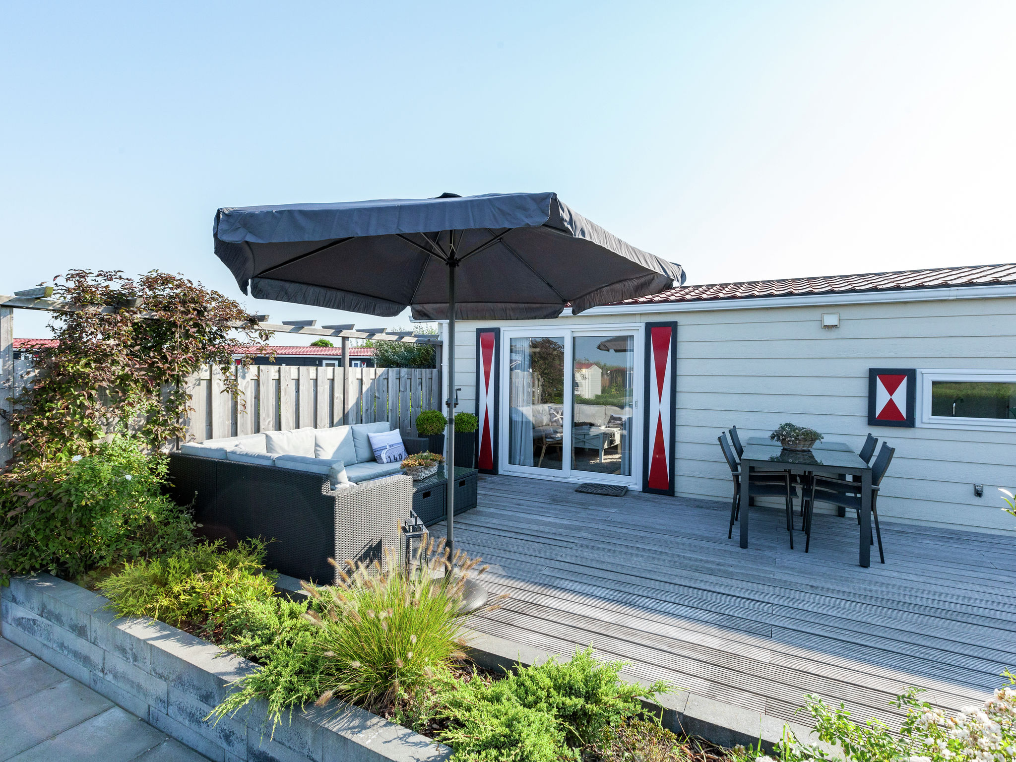 Holland | Zeeland | Holiday home Chalet Olm | all year | GardenSummer