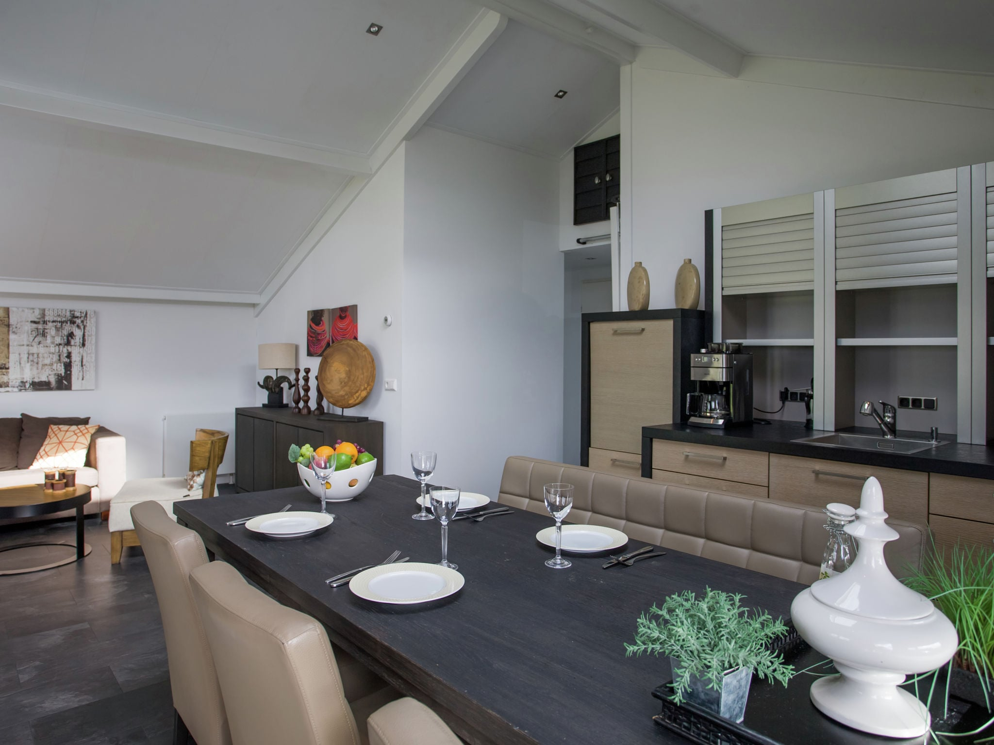 Holland | Zeeland | Holiday home Aan de Oosterschelde | all year | DiningRoom