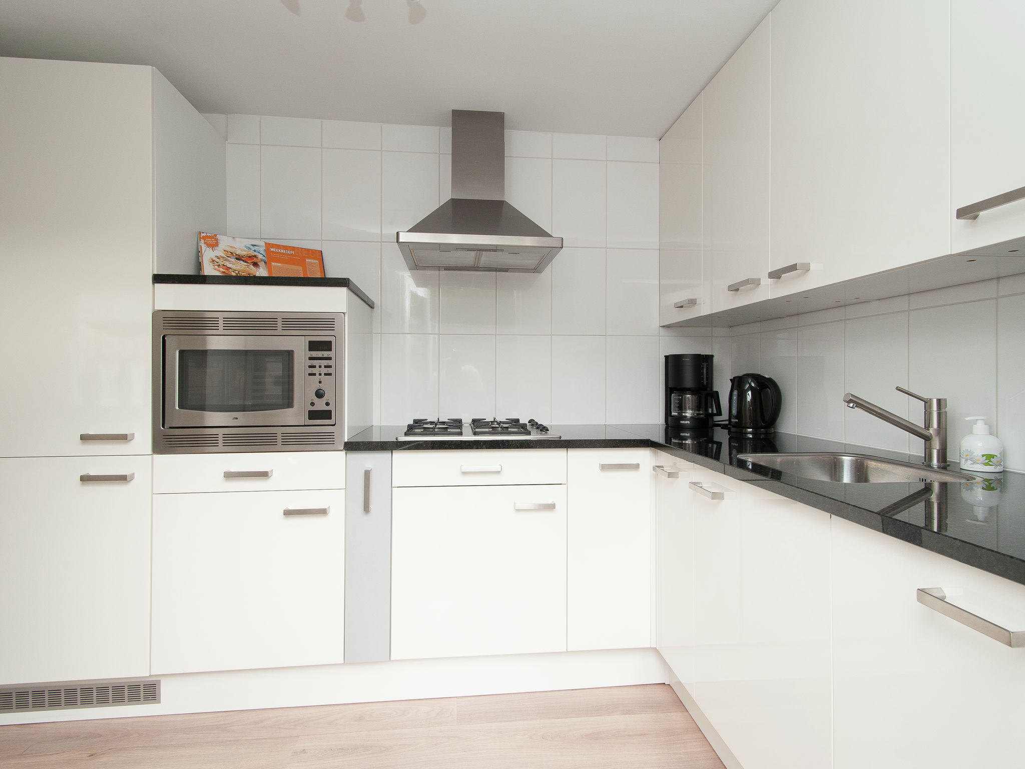 Holland | North Sea Coast North | Holiday home Liv | all year | Kitchen