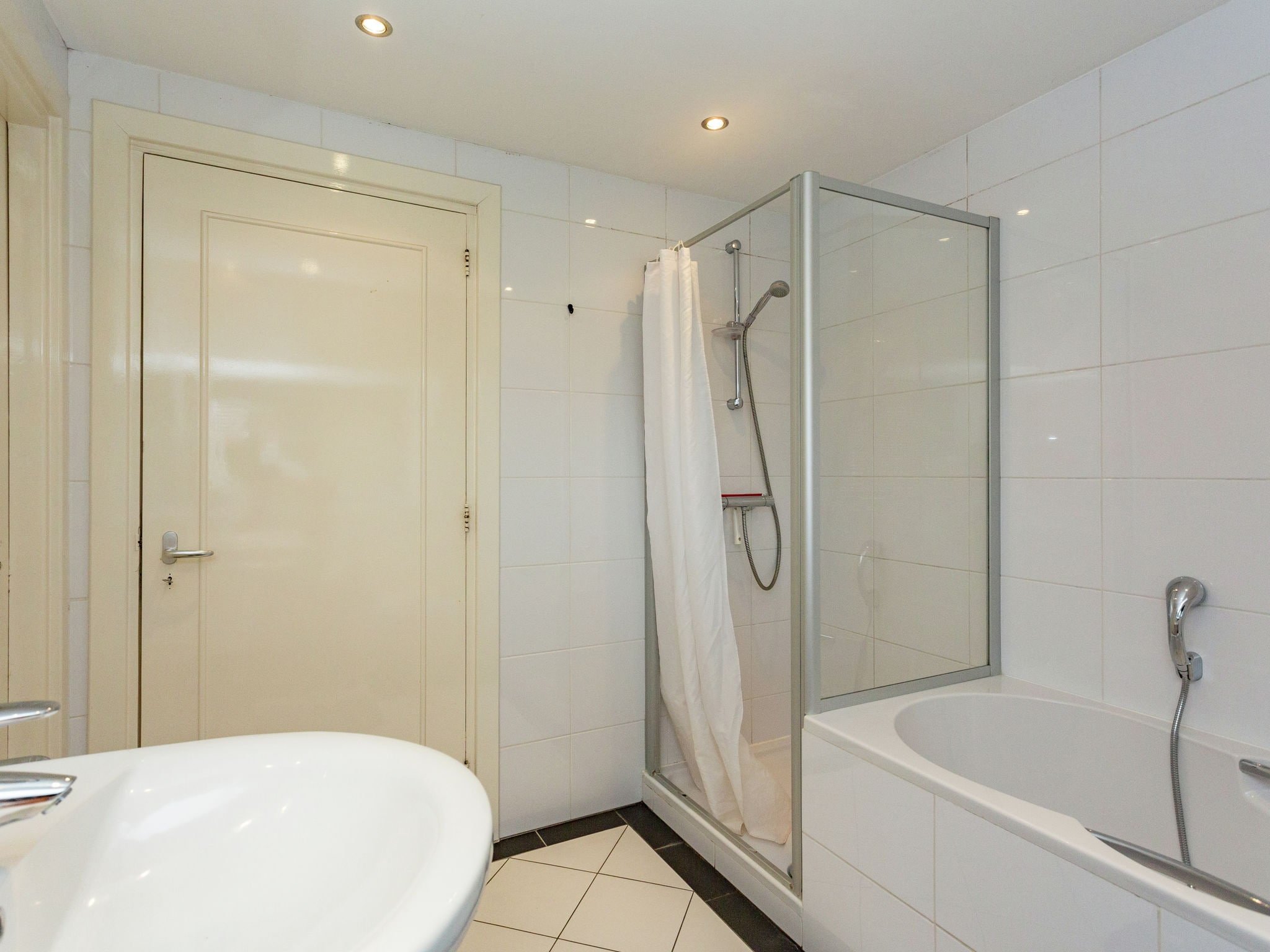 Holland | Noord-Brabant | Holiday home Villa Golf en Brabant 16p | all year | BathRoom