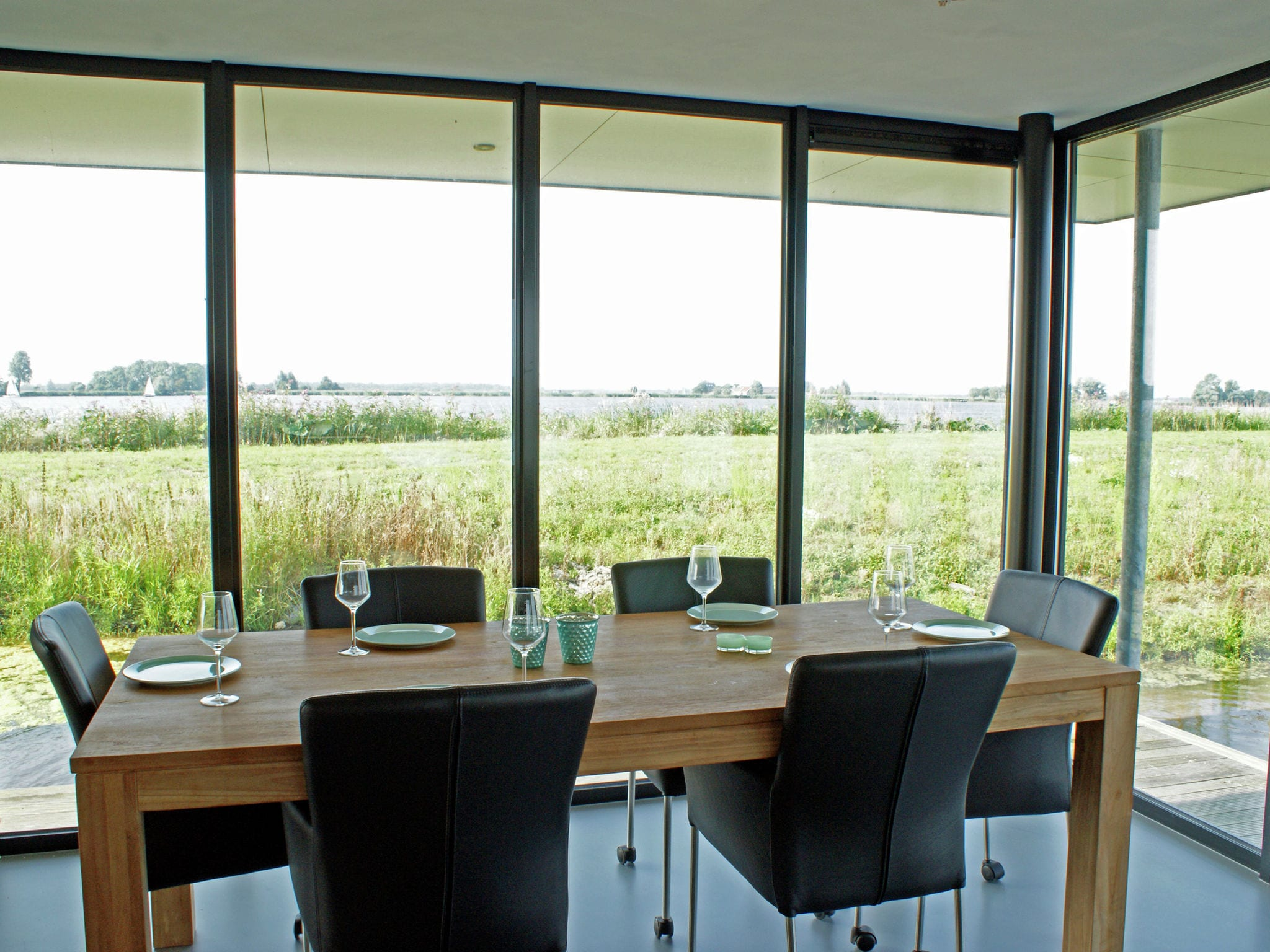 Holland | Friesland | Holiday home Watervilla de Blauwe Reiger | all year | DiningRoom