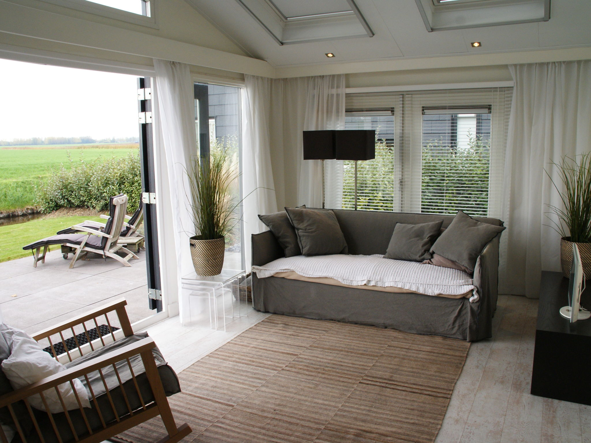 Holland | Zeeland | Holiday home Oosterschelde with a view | all year | LivingRoom