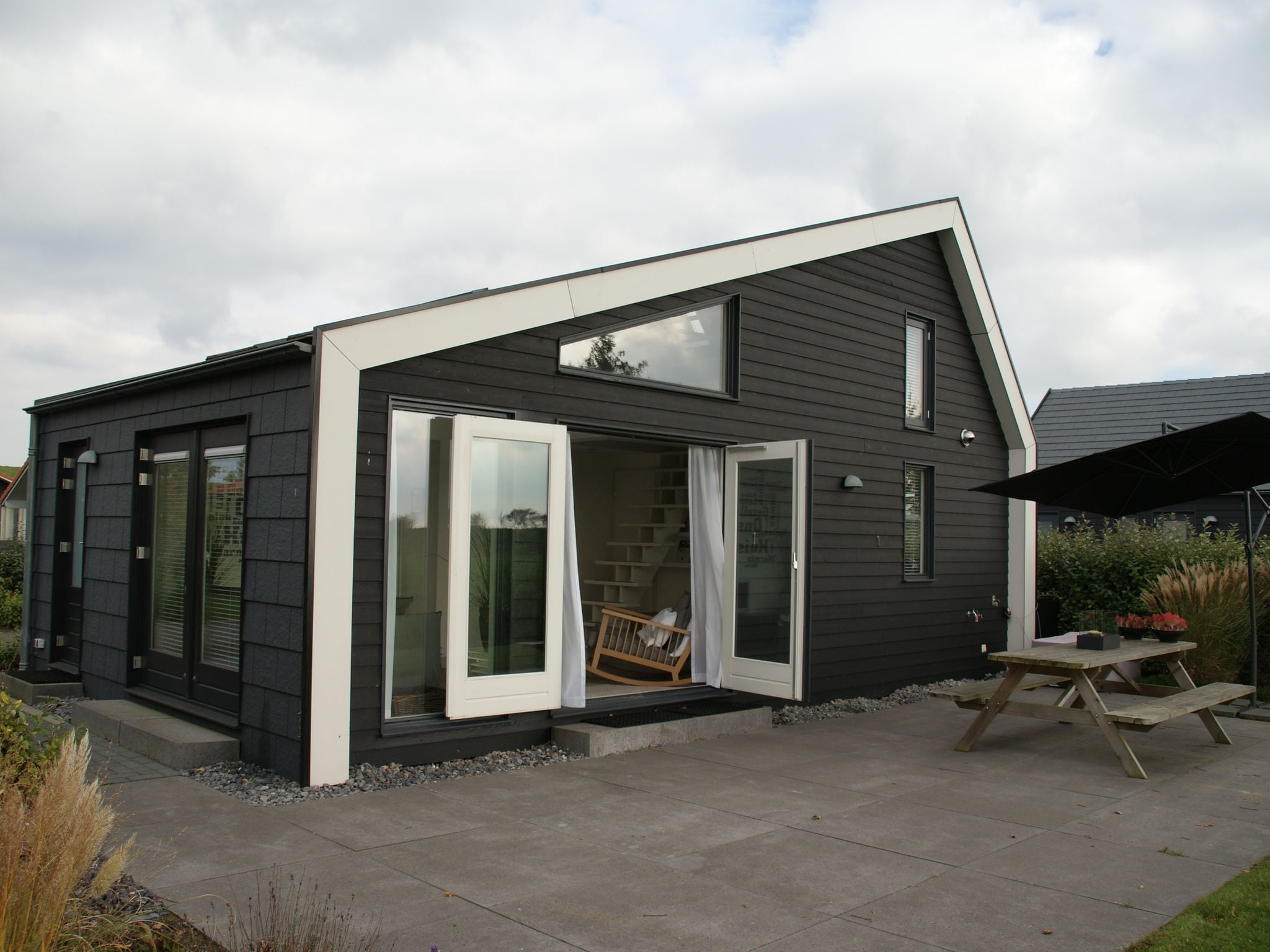 Holland | Zeeland | Holiday home Oosterschelde with a view | all year | ExteriorSummer