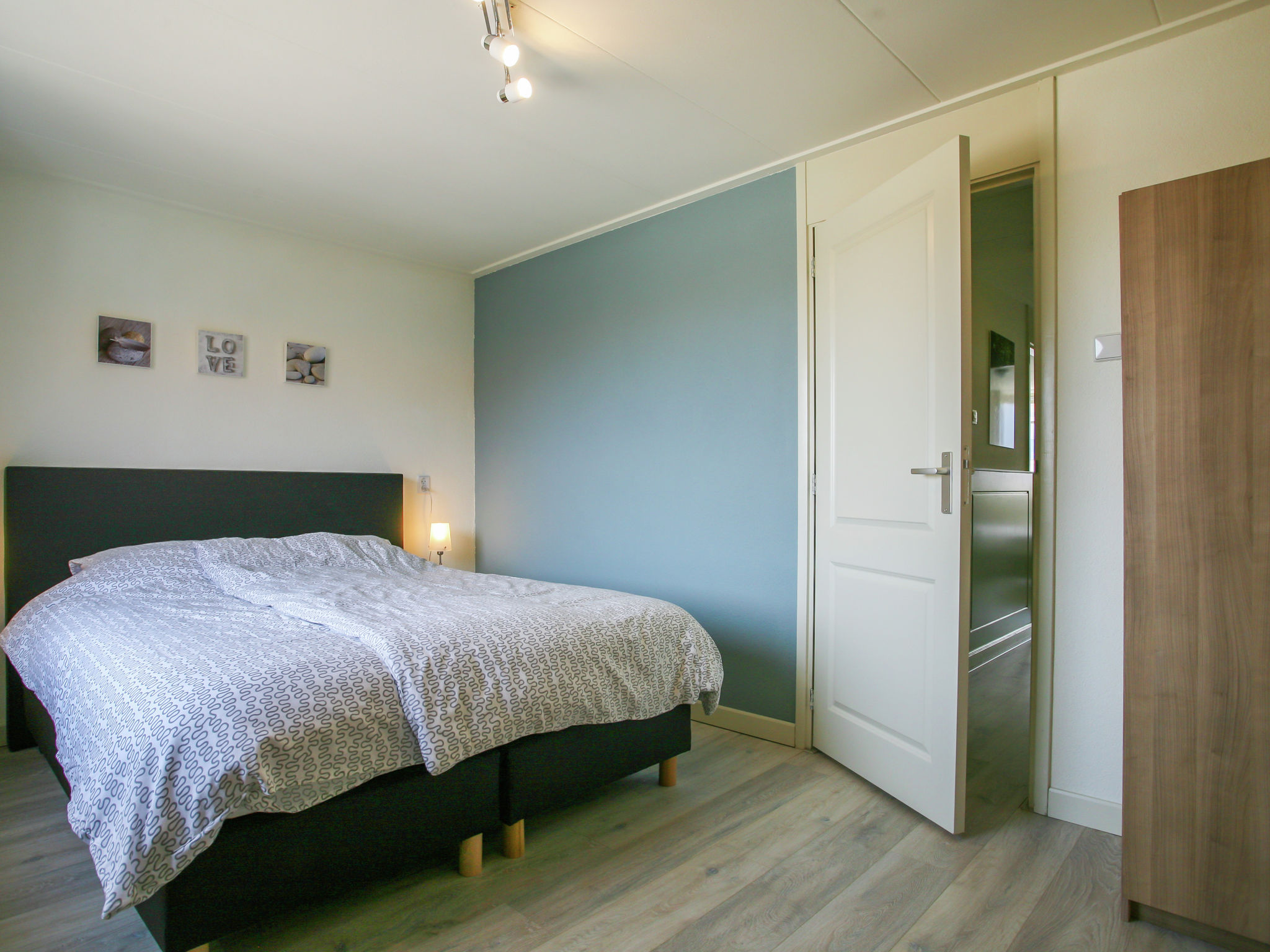 Holland | North Sea Coast South | Holiday home Strandhuis WS2 | all year | BedRoom