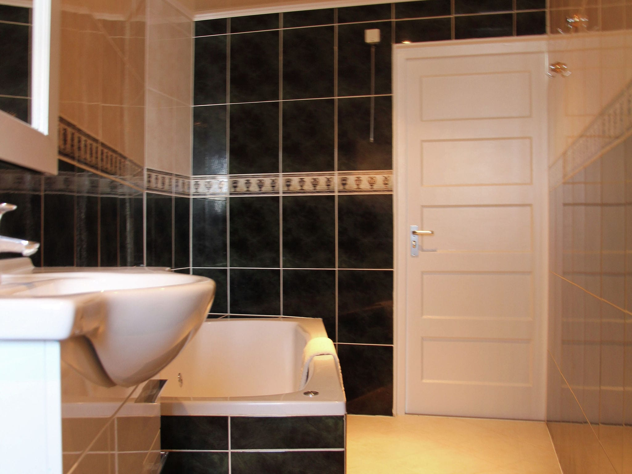 Holland | North Sea Coast North | Holiday home Near the Sea II | all year | BathRoom