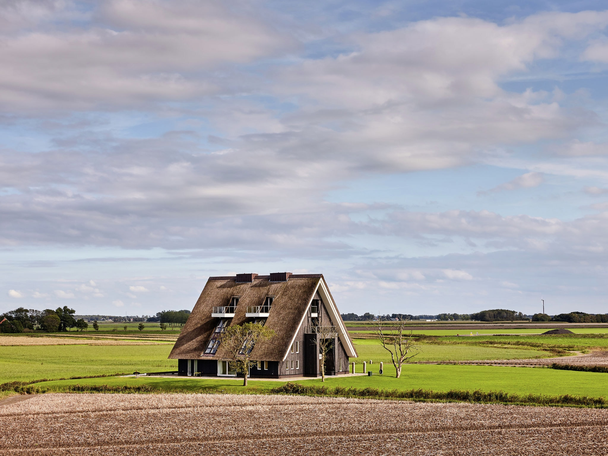 Holland | Friesland | Holiday home Landhuis Wad Anders | all year | ExteriorSummer