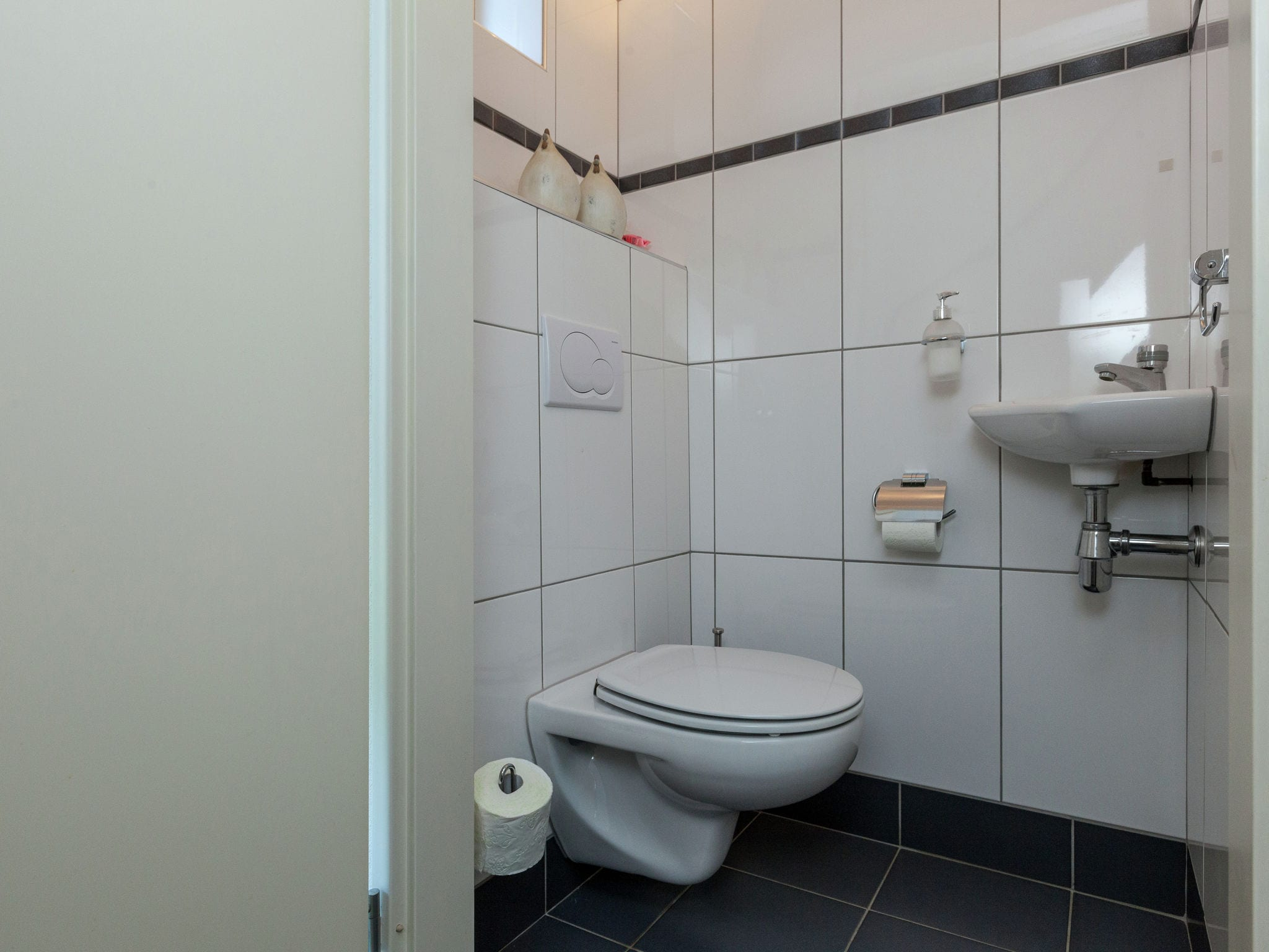 Holland | North Sea Coast South | Holiday home Drie Provinciepunt | all year | BathRoom