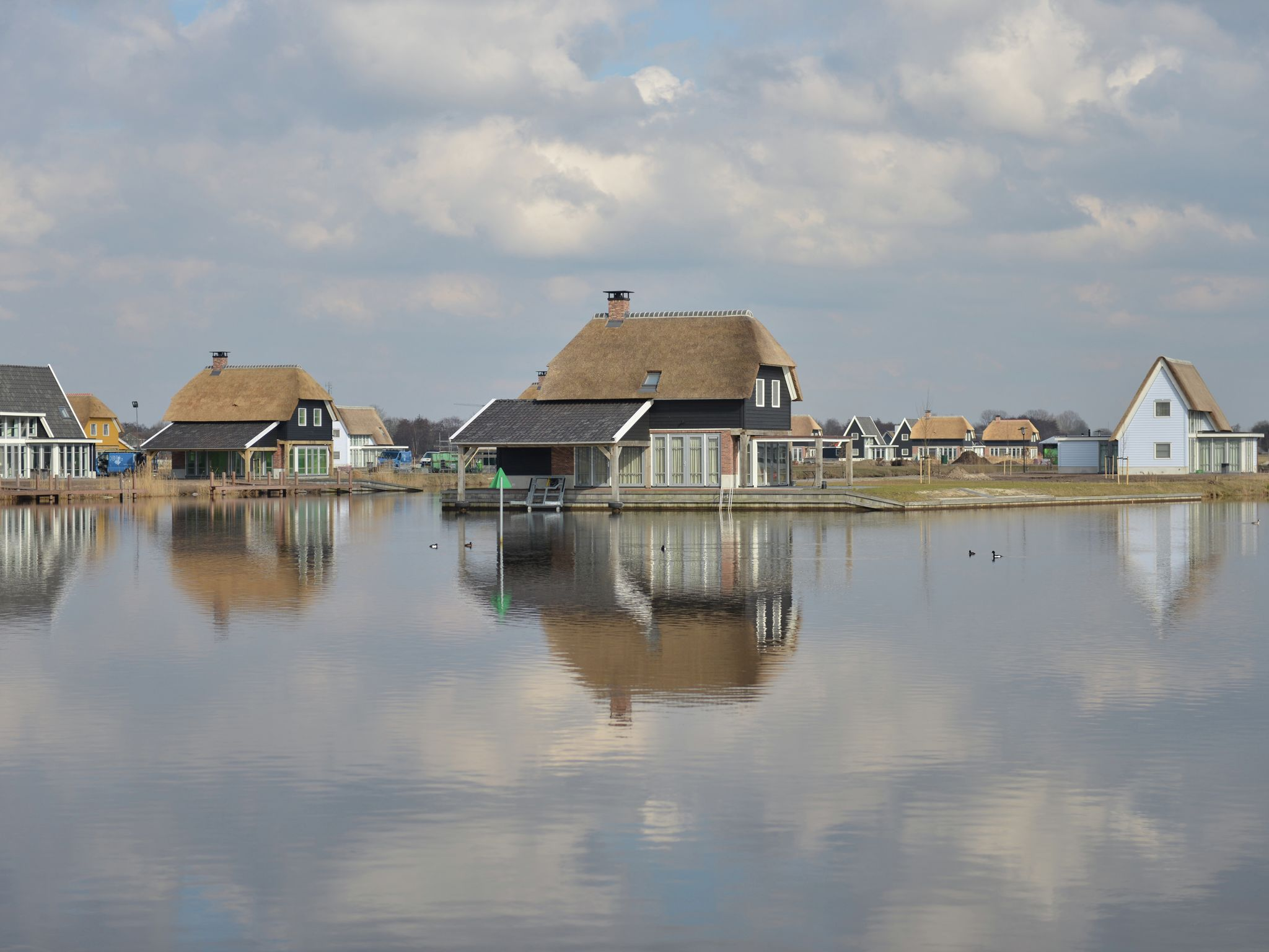 Holland | Overijssel | Holiday home Waterresort Bodelaeke - 't Rieten Schiphuis | all year | ExteriorSummer