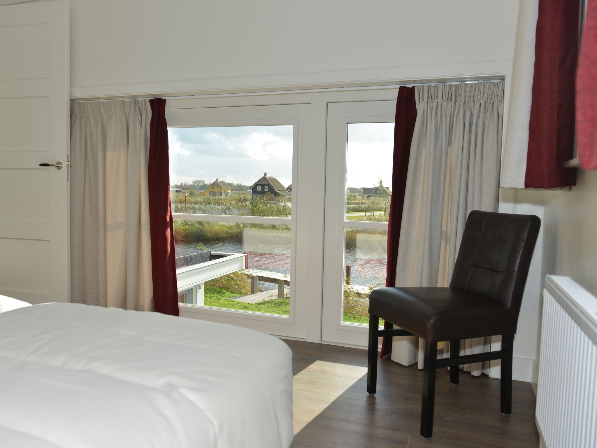 Holland | Overijssel | Holiday home Waterresort Bodelaeke - Ruimte aan 't Water Wellne | all year | BedRoom