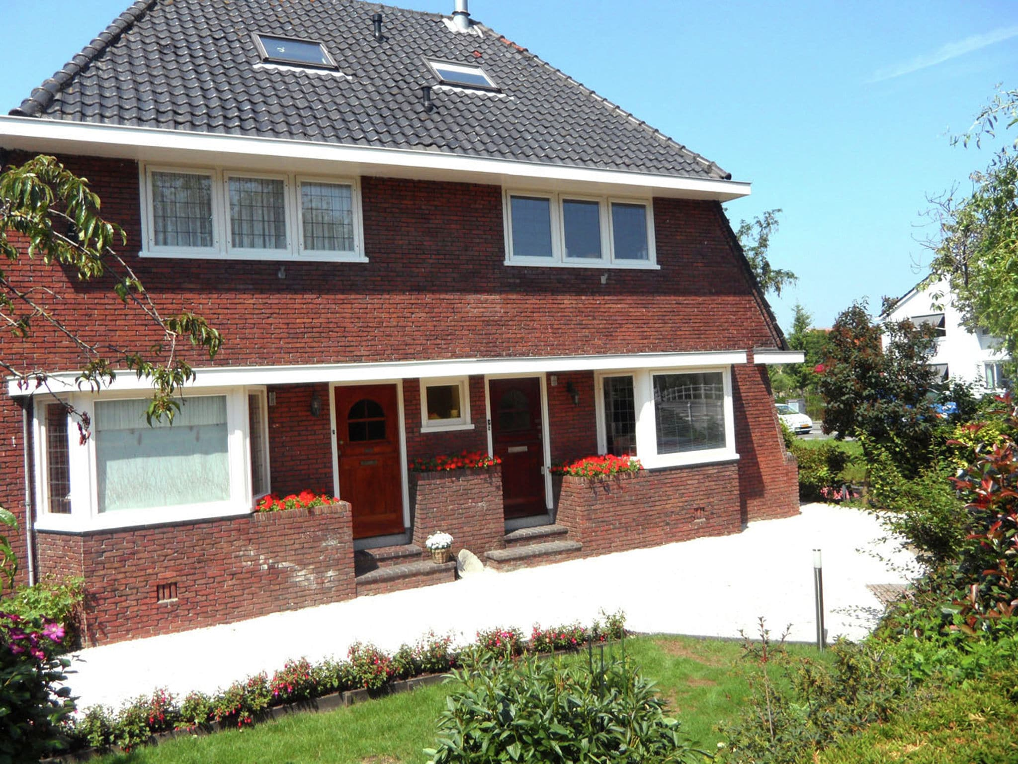 Holland | North Sea Coast South | Holiday home Watervliet | all year | ExteriorSummer