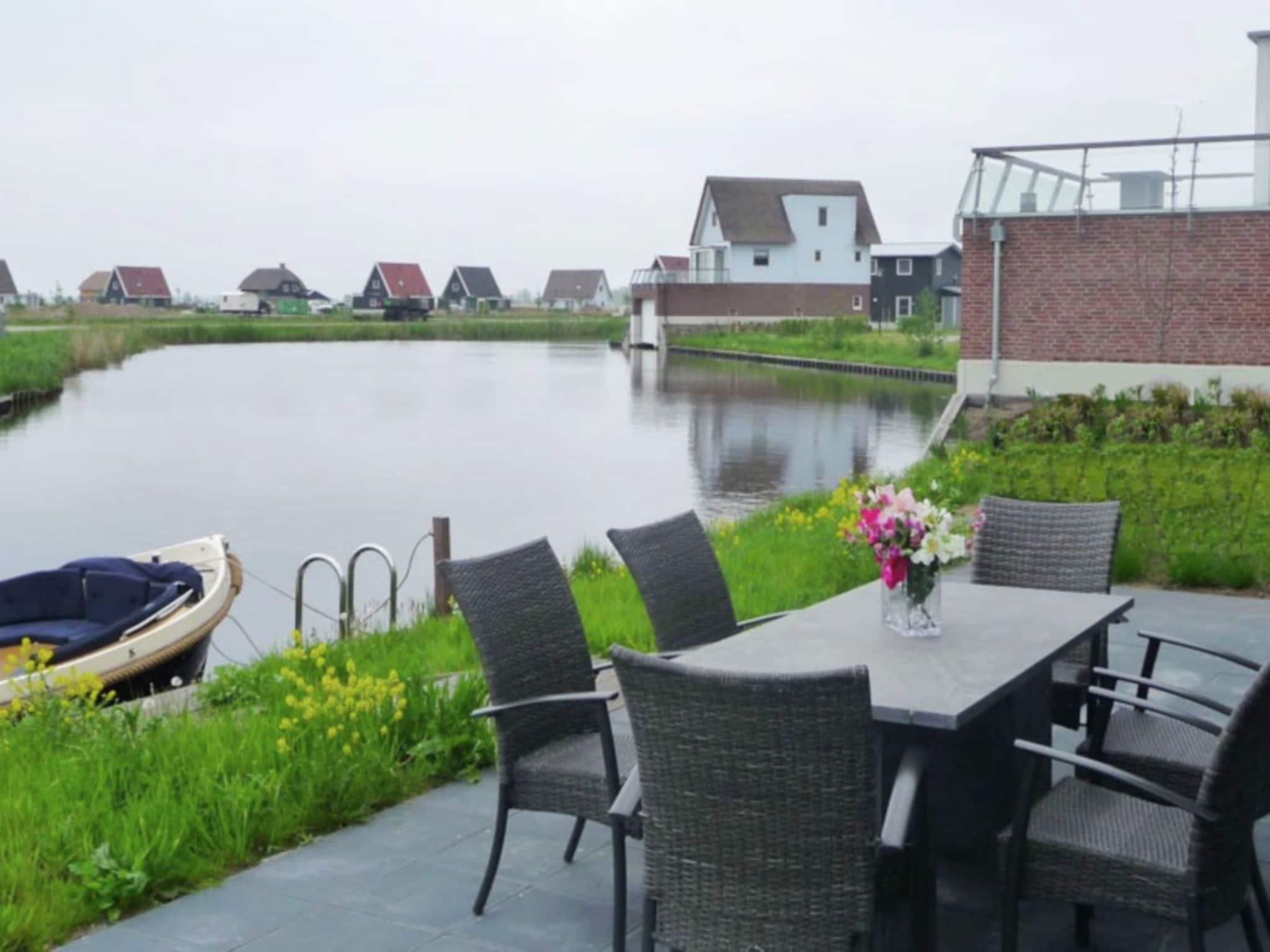 Holland | Overijssel | Holiday home Waterresort Bodelaeke - In 't Riet 4p | all year | TerraceBalcony