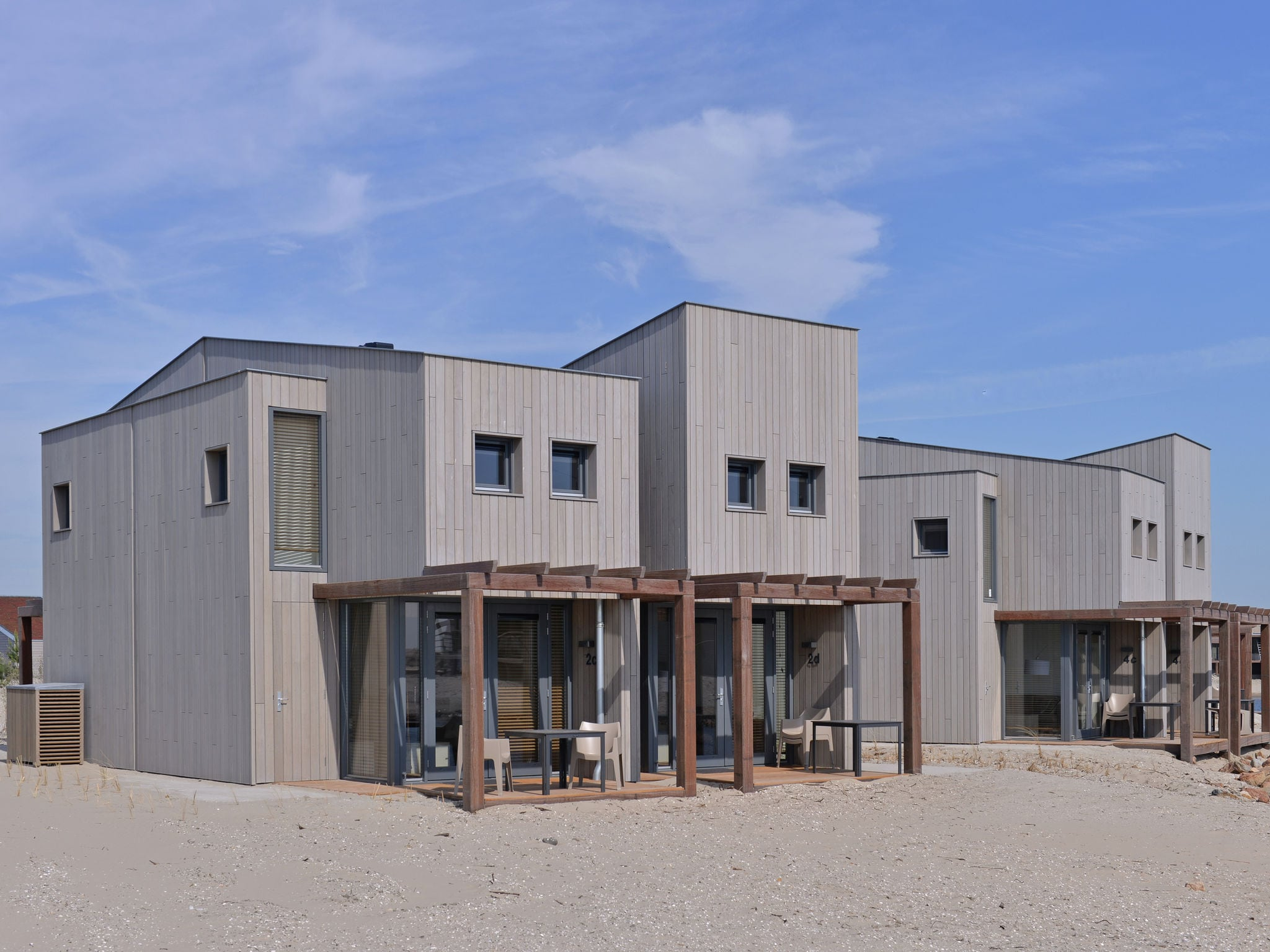 Holland | North Sea Coast South | Holiday home Punt-West Hotel & Beachresort - Vistamare 2-pers | all year | ExteriorSummer