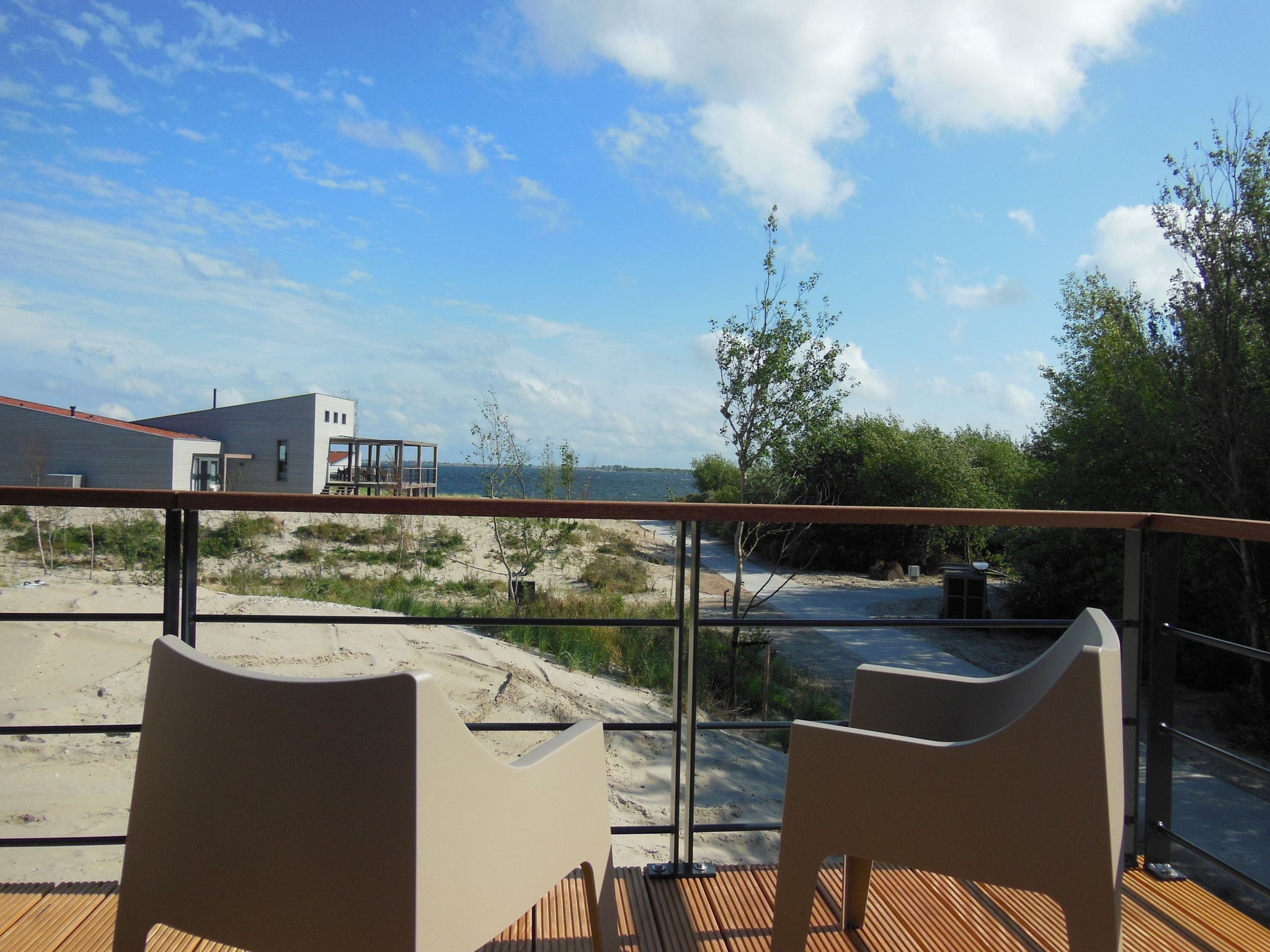 Holland | North Sea Coast South | Holiday home Punt-West Hotel & Beachresort - Vistamare Torenvil | all year | TerraceBalcony