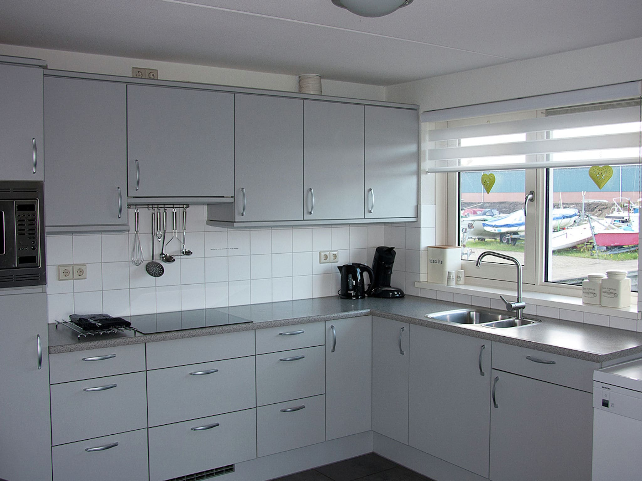 Holland | North Sea Coast North | Holiday home Waterpark de Meerparel - Lake Friendly | all year | Kitchen