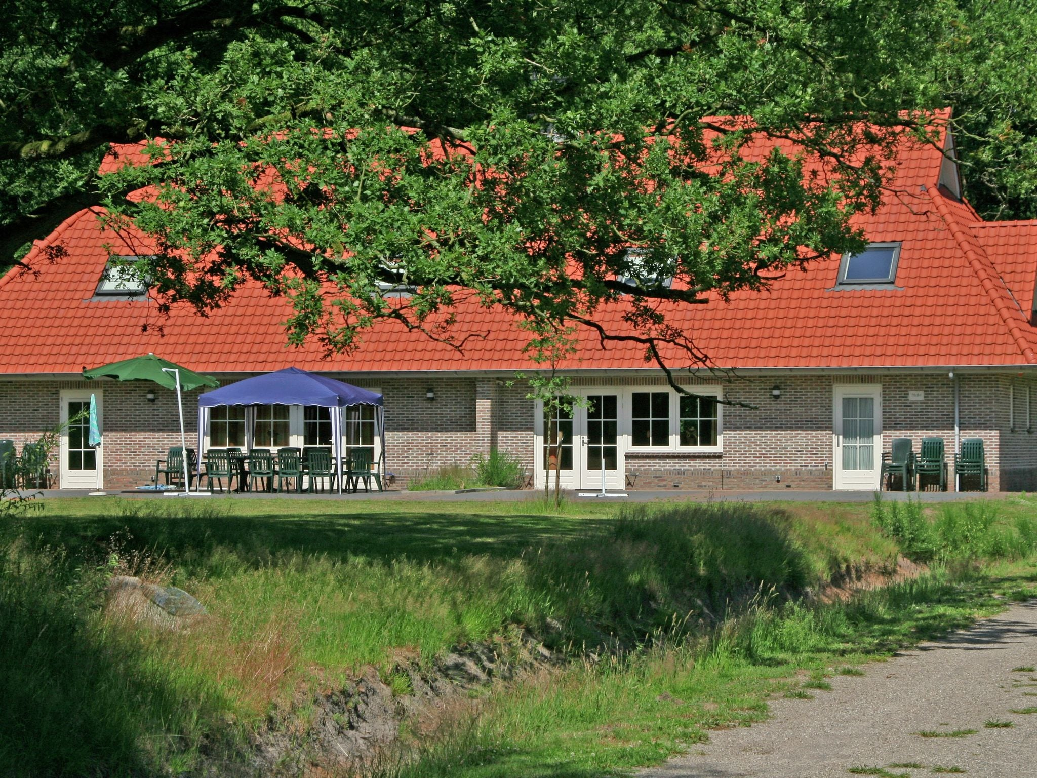 Holland | Overijssel | Holiday home Buitengoed Fredeshiem - Stins Geheel 20p | all year | ExteriorSummer