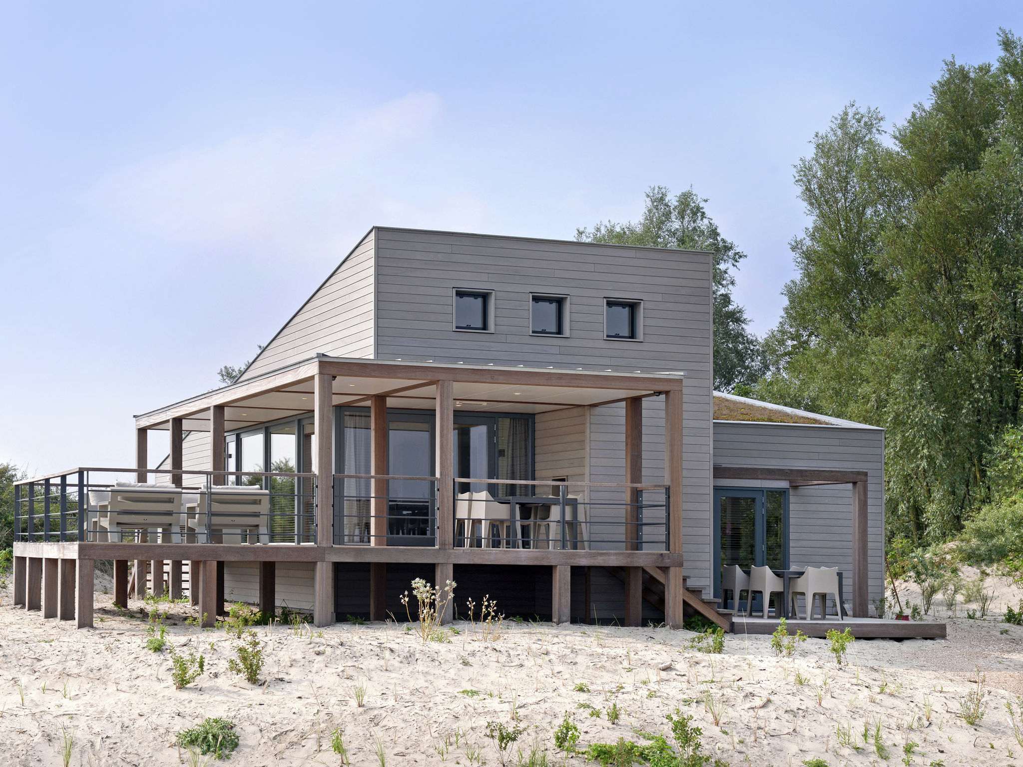 Holland | North Sea Coast South | Holiday home Punt-West Hotel & Beachresort | all year | ExteriorSummer