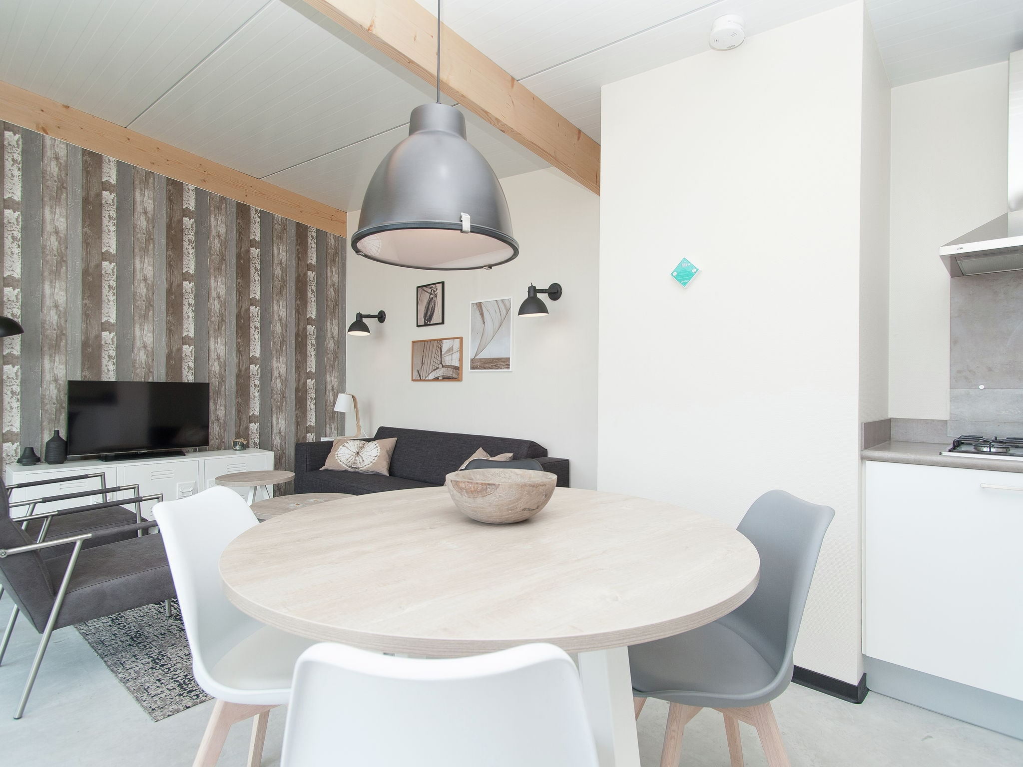 Holland | North Sea Coast North | Holiday home Sea Lodge Deluxe met de hond | all year | DiningRoom