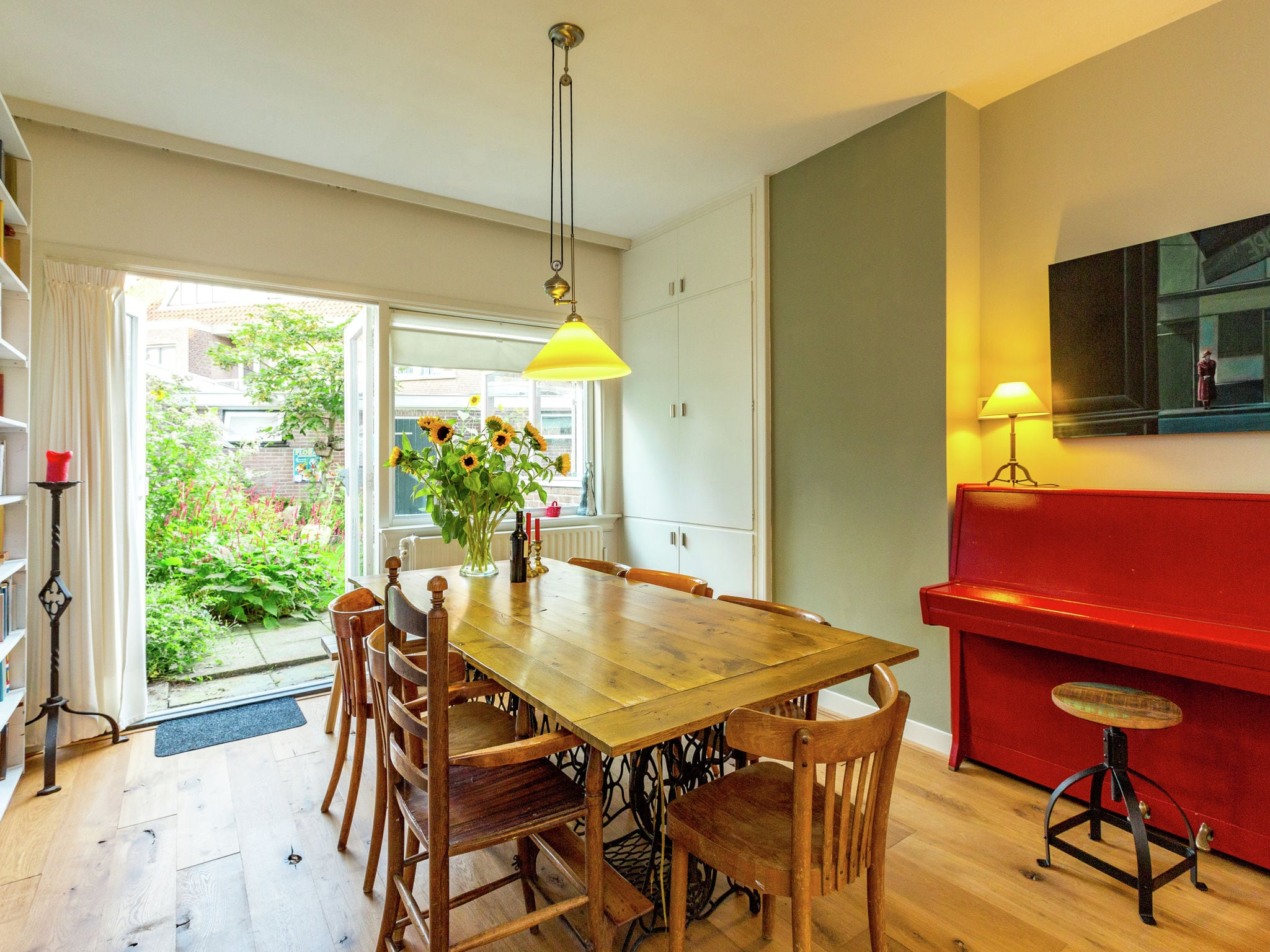 Holland | North Sea Coast South | Holiday home Achter de Duinen | Holidays | DiningRoom