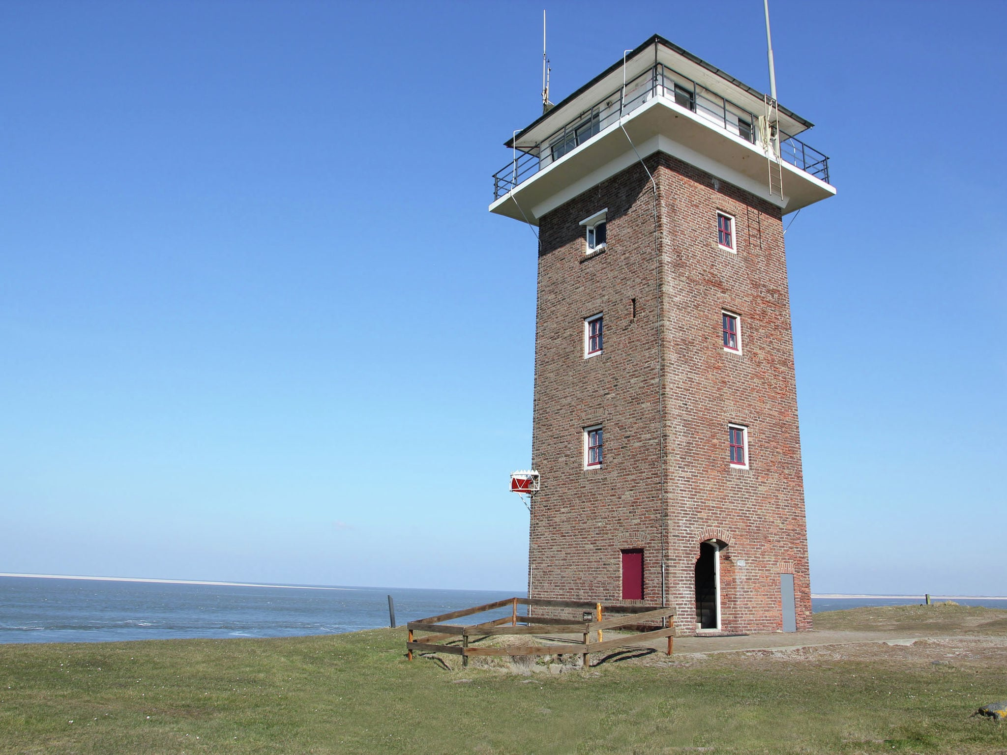 Holland | North Sea Coast North | Holiday home De Kustwachttoren Family | all year | ExteriorSummer